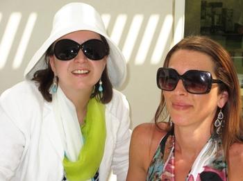 Enjoying a sunny Sunday afternoon at Sunnylands Café with my friend...