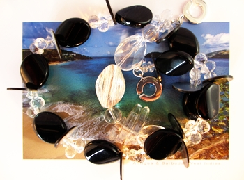 Black Onyx for this black Rocks necklace from the deep Ocean collection.