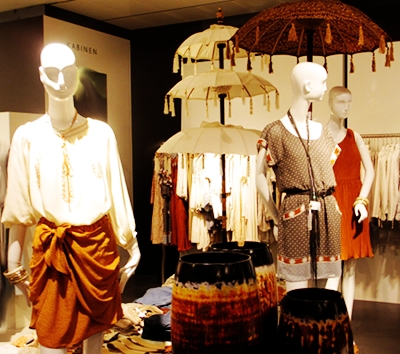 Bali feeling in the city. Wraps and dresses in deep cinnamon colors.