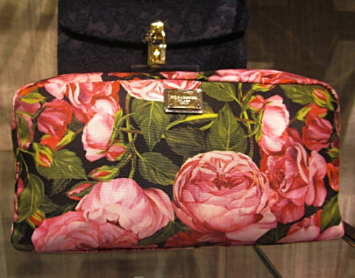 Red roses clutch.jpg