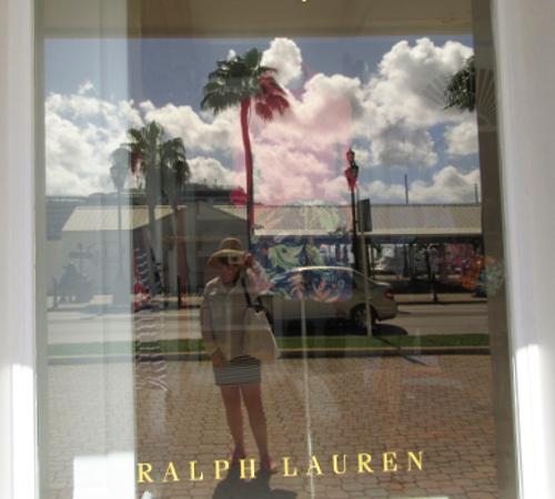 Looking inside at Ralph Lauren Aruba