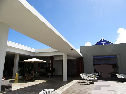 hilton lobby sky.jpg