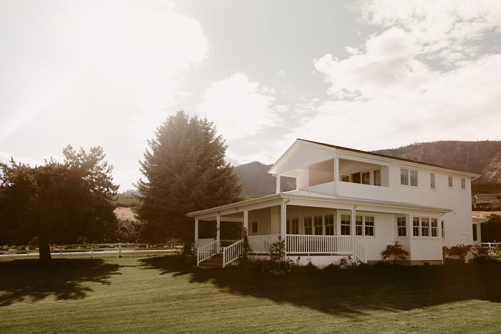 Chelan Wedding_Harmony Meadows-23.jpg
