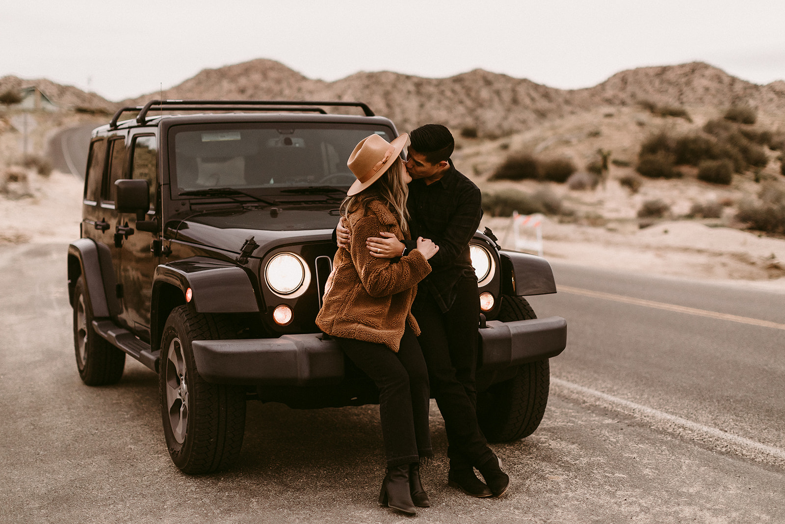 Jamie + Madison_Joshua Tree_2019_0085.jpg