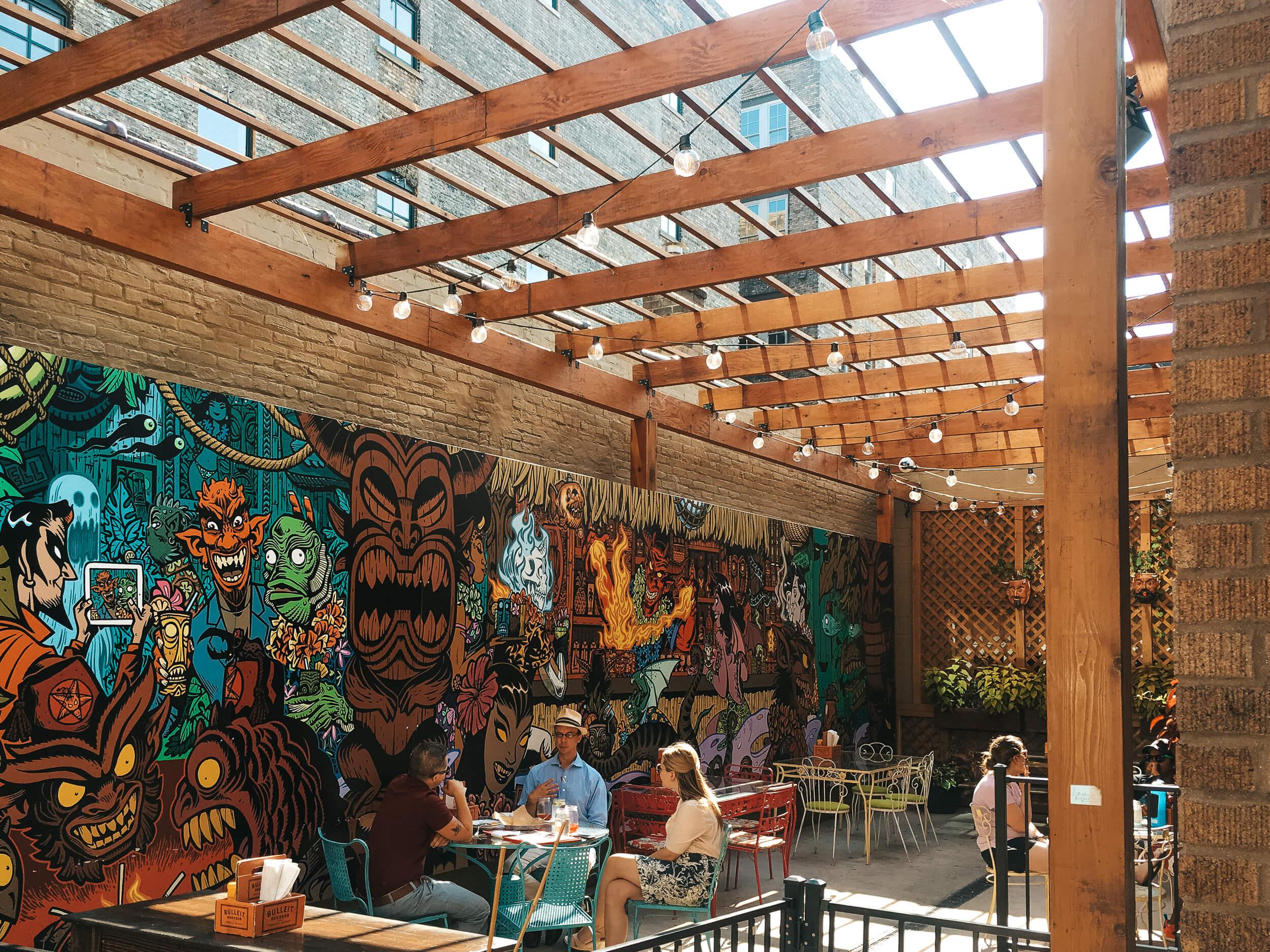 Stellas Lounge outdoor space-ochristine
