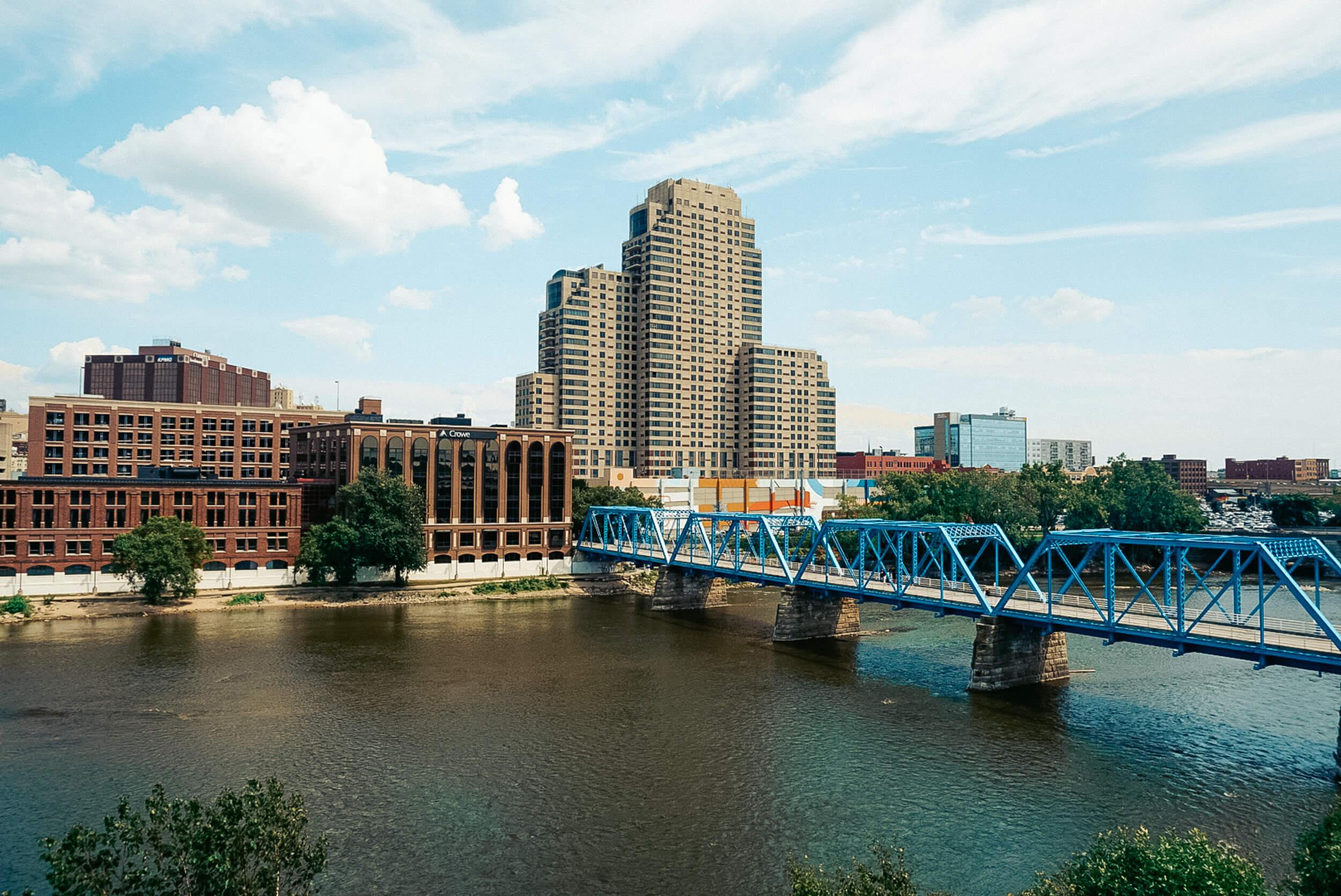 Grand Rapids-Grand River-ochristine