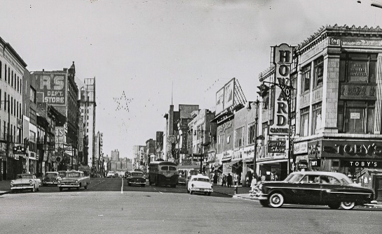 125th Street and 7th Avenue 1950s (Photo courtesy of the New York Public Library/Schomburg Photographs and Prints Division).