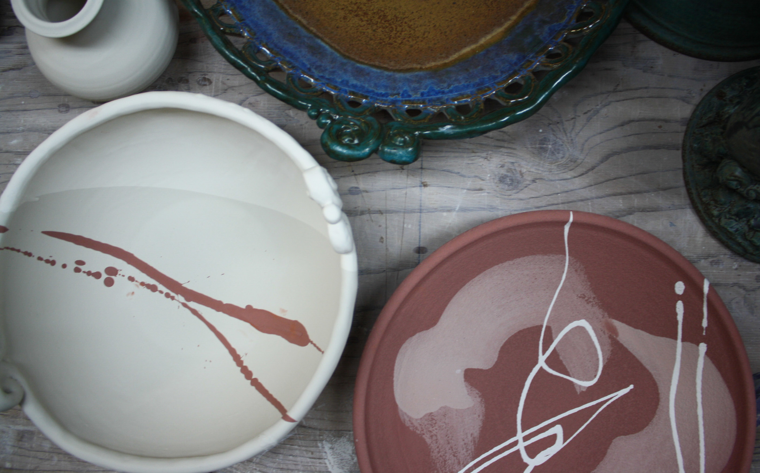 My mother's bowl (white; left) next to her teacher's (Kevin Nolan's) (red; right)