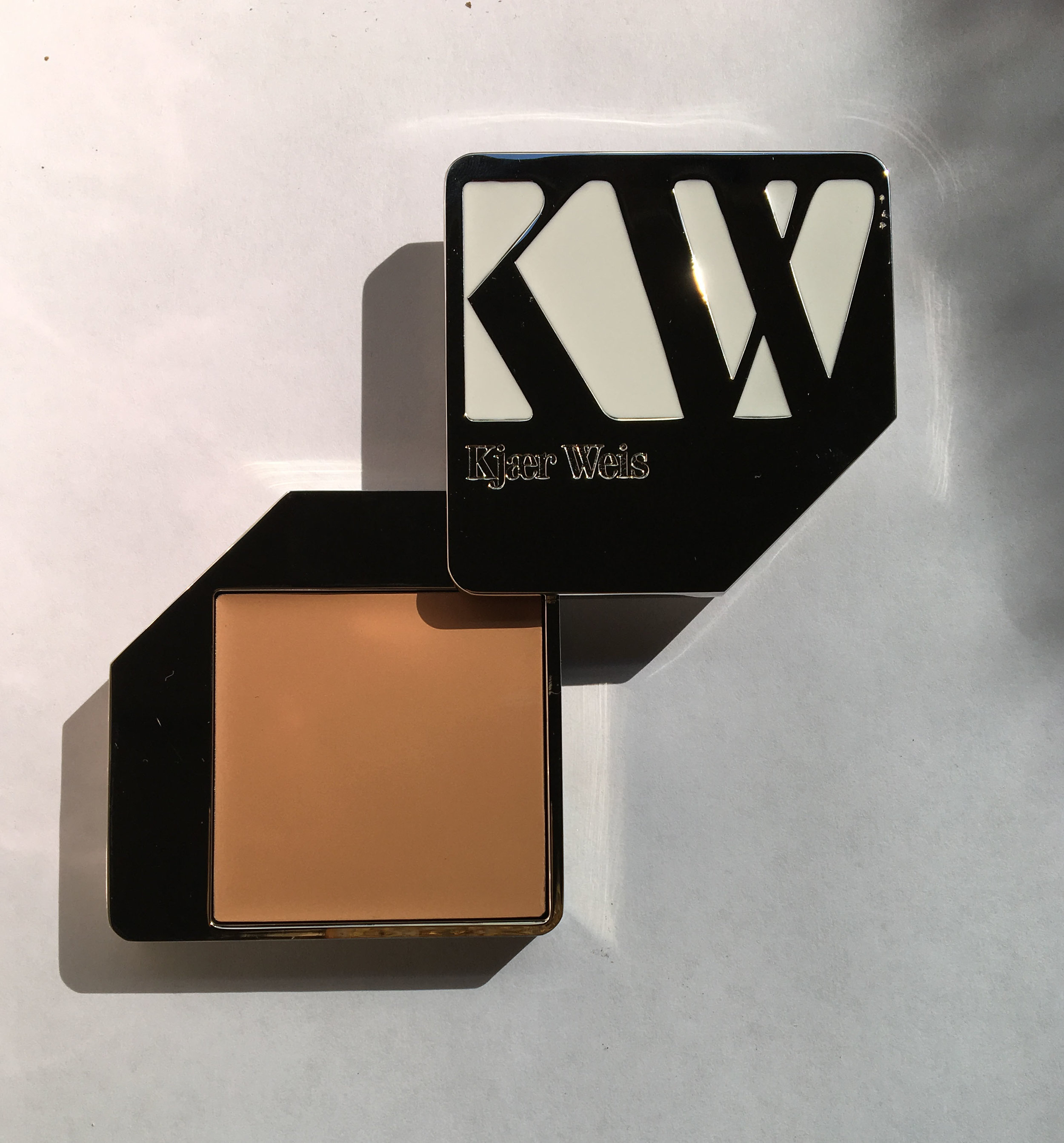 KJAER WEIS refillable foundation compact.
