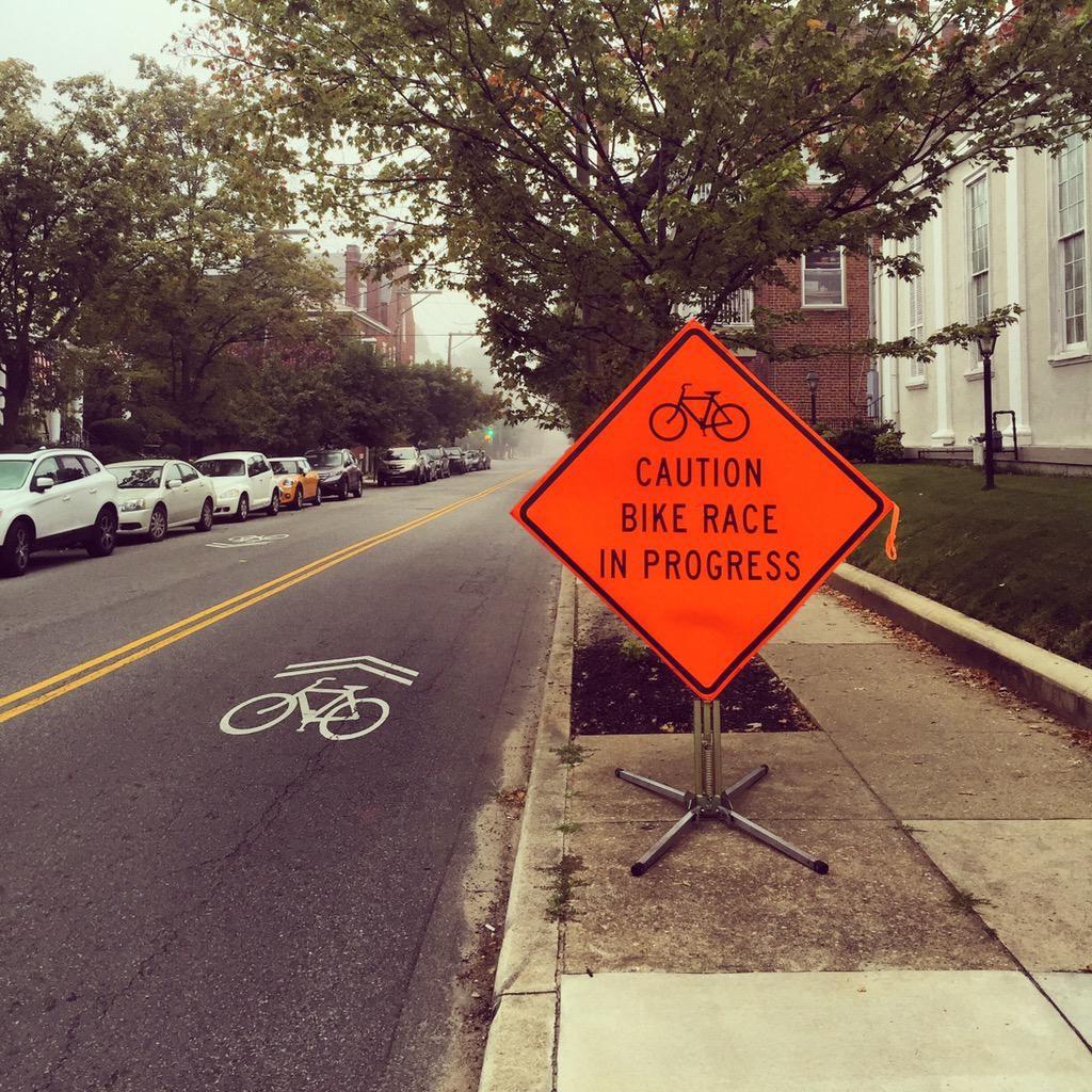 Chevron (+ Bike Lane)