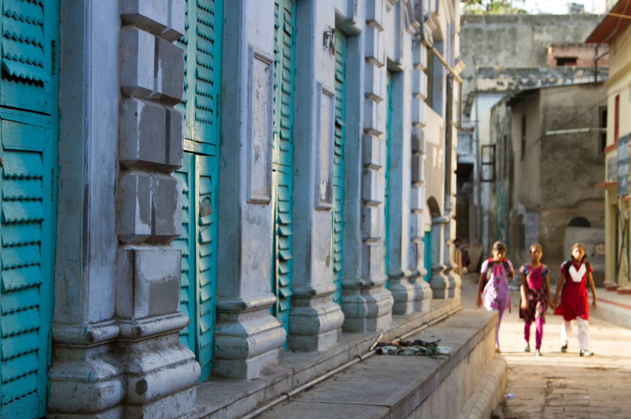 Crew, Varanasi, India