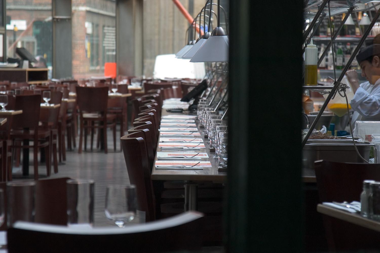 fish_restaurant_empty.jpg