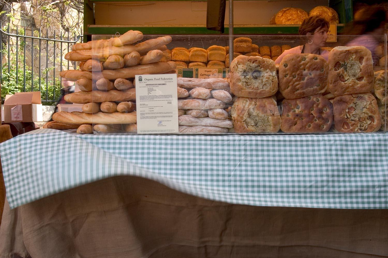 bread_on_stall.jpg