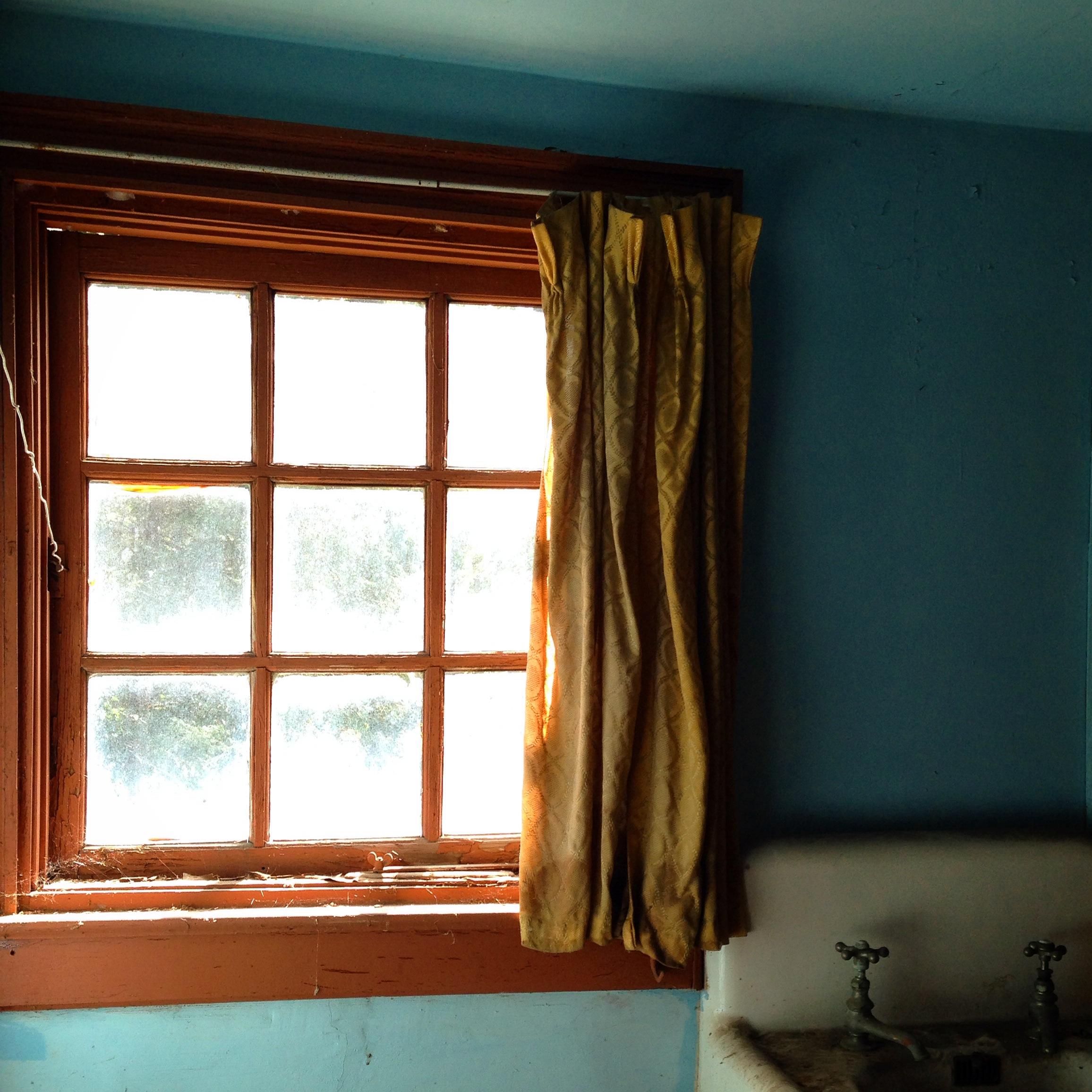 Garage 2nd Floor Window