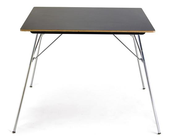 TableFolding-Square134280725350099cd52a36e.jpg