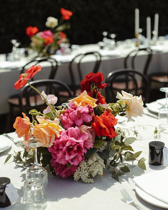 Thinking back to beautiful Spring blooms & THIS wedding 🤩 @euroabutterfactory 📸 @brownpaperparcel