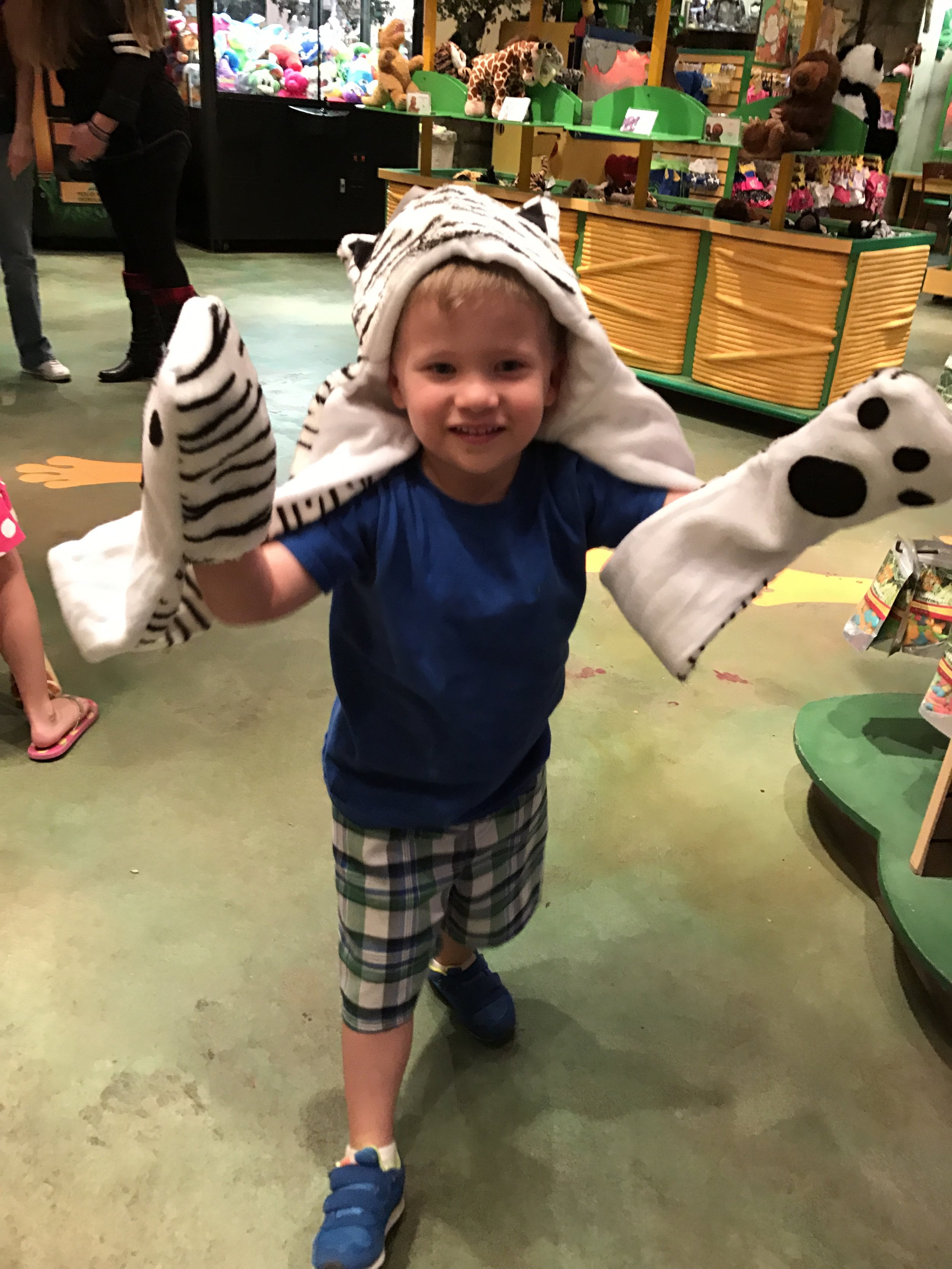 Went to the Rainforest Cafe for dinner one night. Their kids meals are great and we had leftovers for the next day. Their adult meals are huge and share worthy as well. Also, a big money saver!