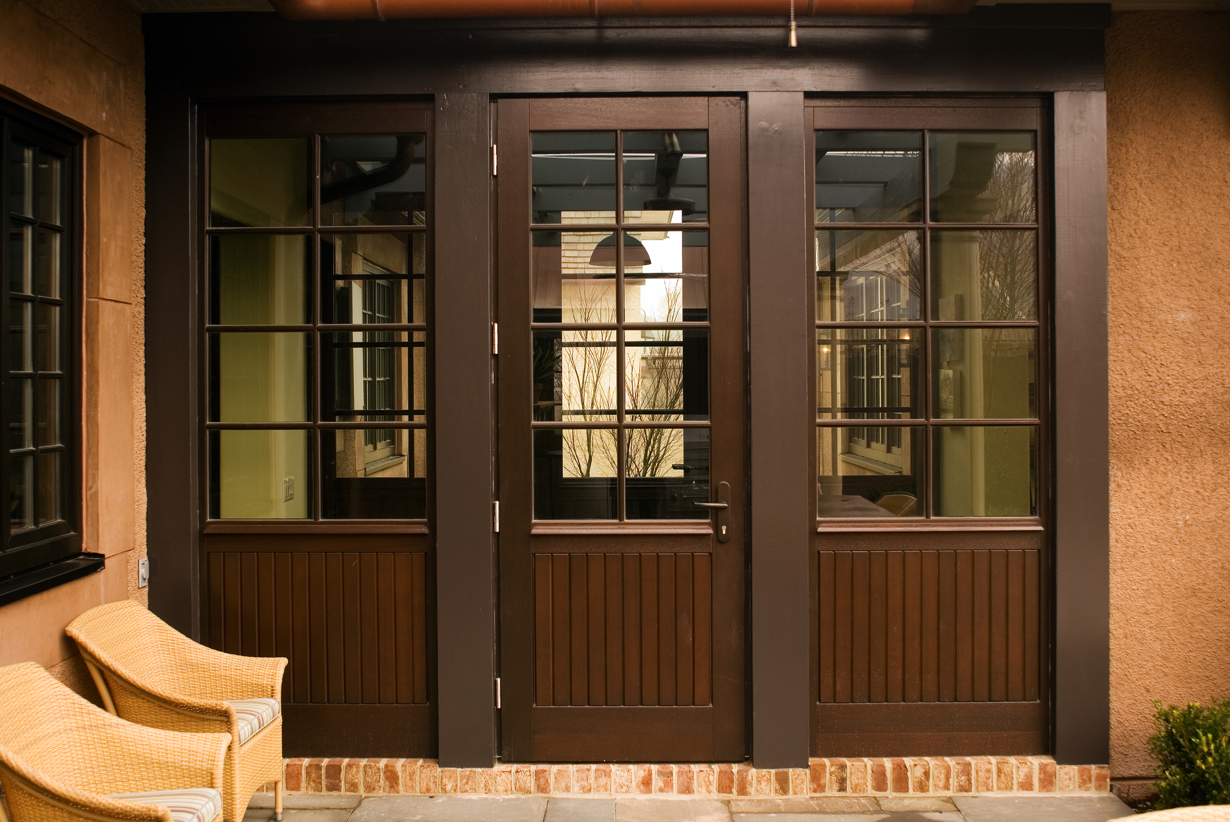Meranti Wood Single Sash Door with Sidelights