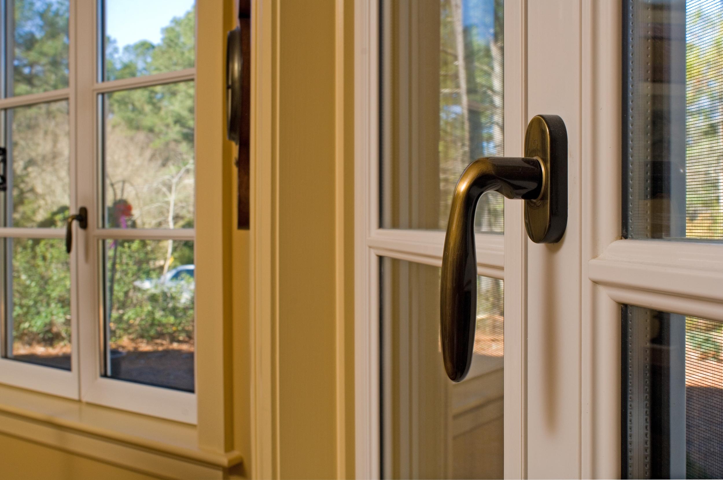 Bronze Tilt and Turn Window Handle