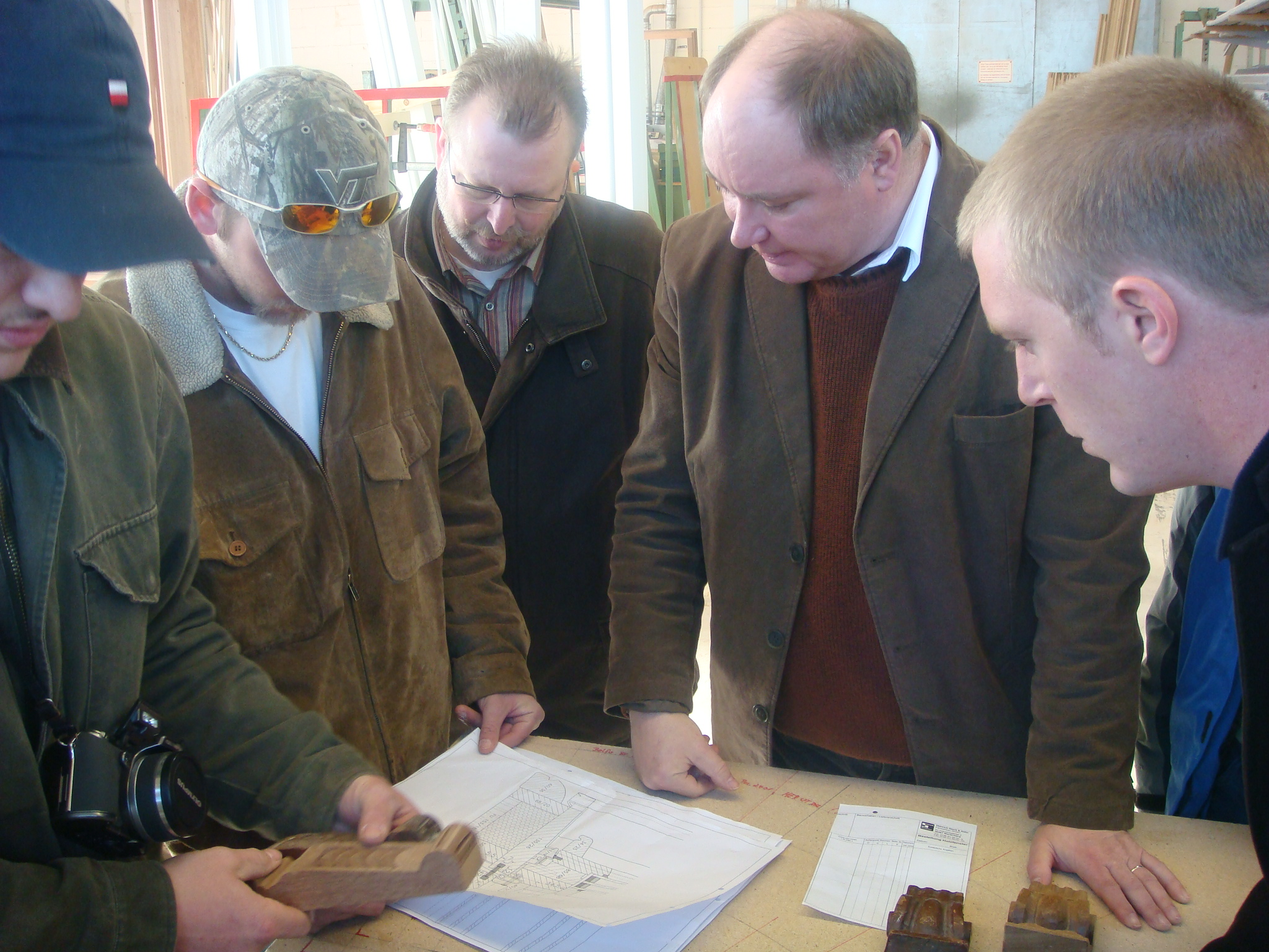 Henselstone Project Supervisors Discussing Technical Details with the Manufacturer