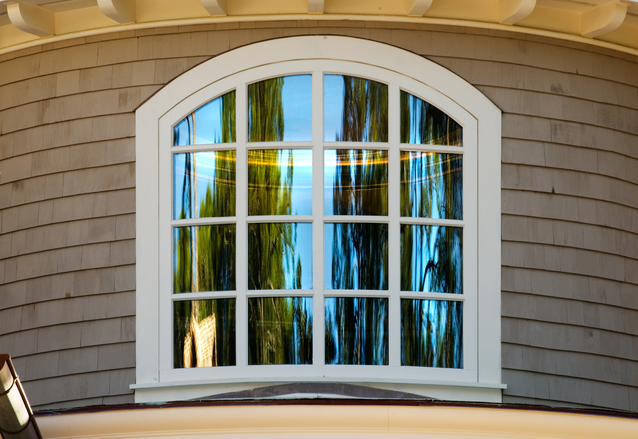 Arched and curved glass