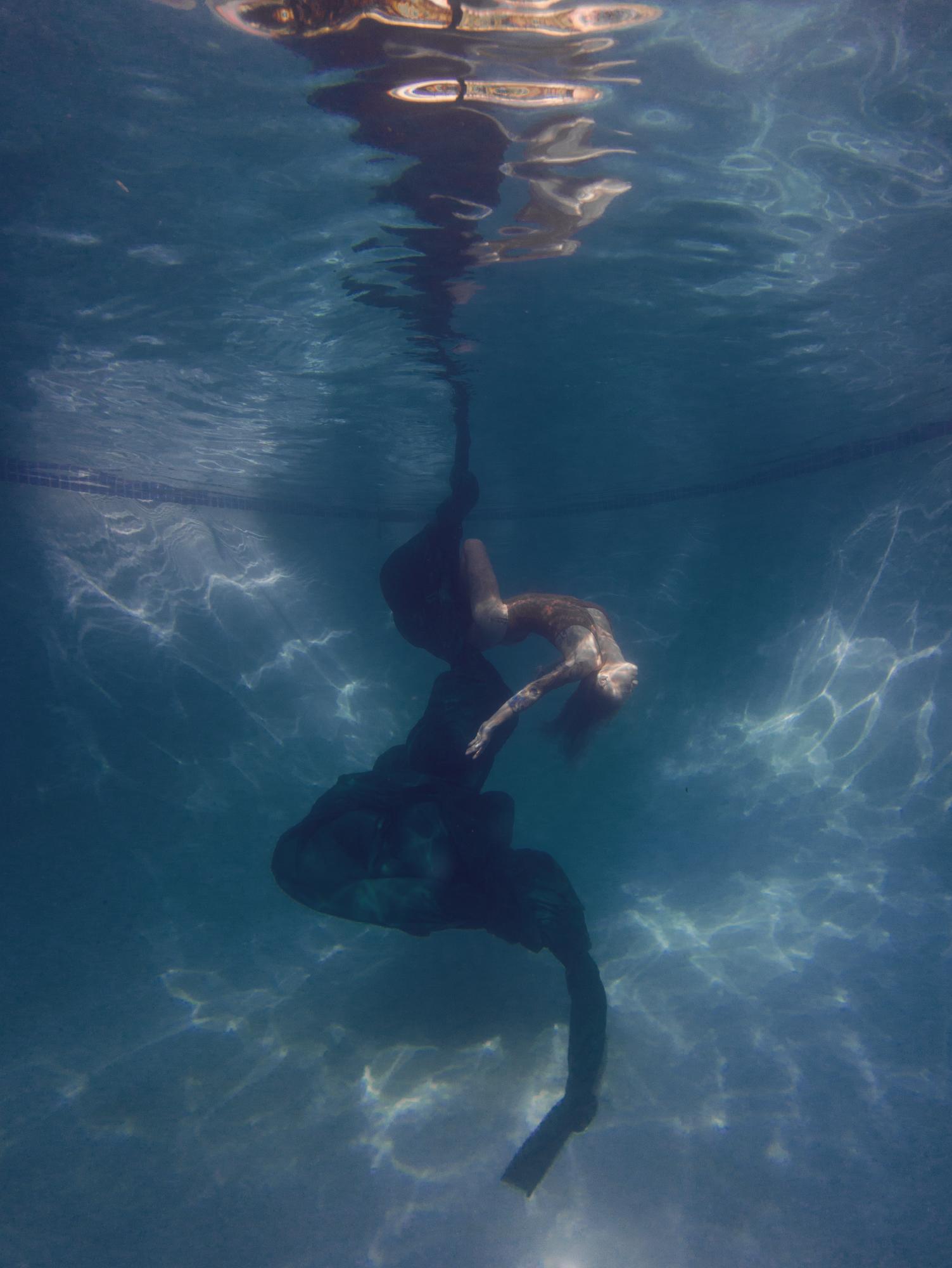 Dana underwater silks13658.JPG