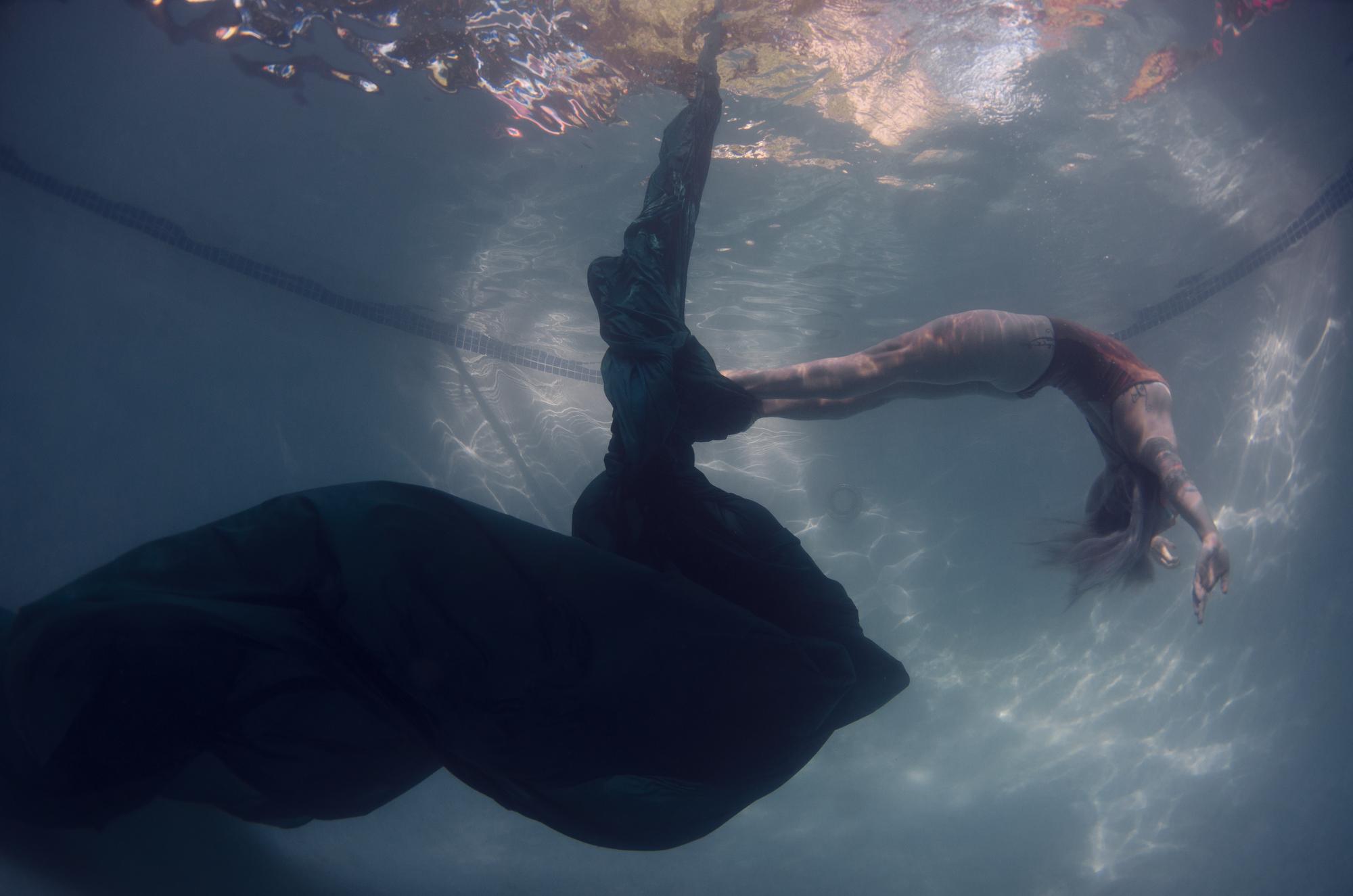 Dana underwater silks13659.JPG