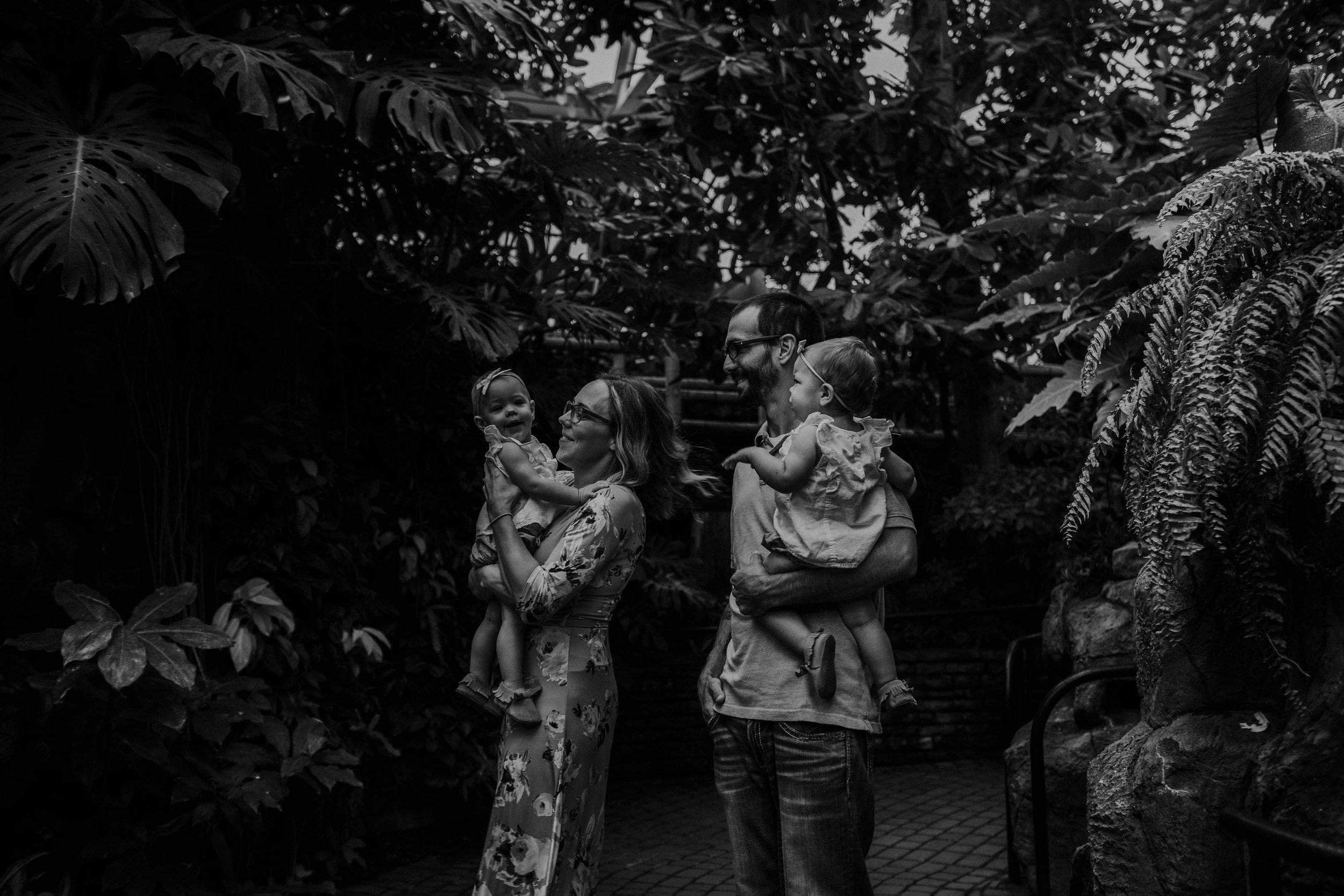 Franklin park conservatory family session grace e jones photography Columbus Ohio