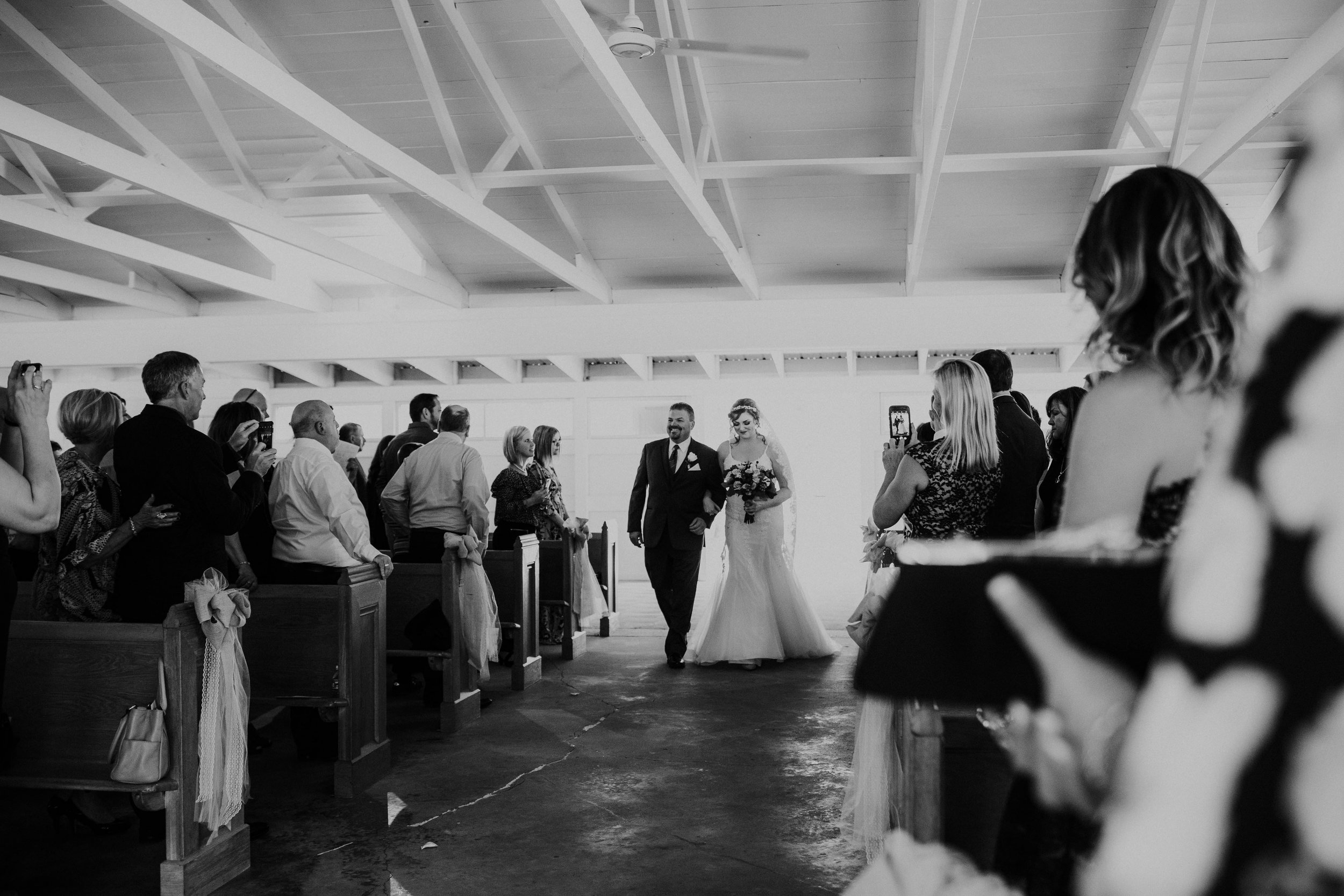 Waters edge louisville ohio romantic wedding grace e jones photography46.jpg
