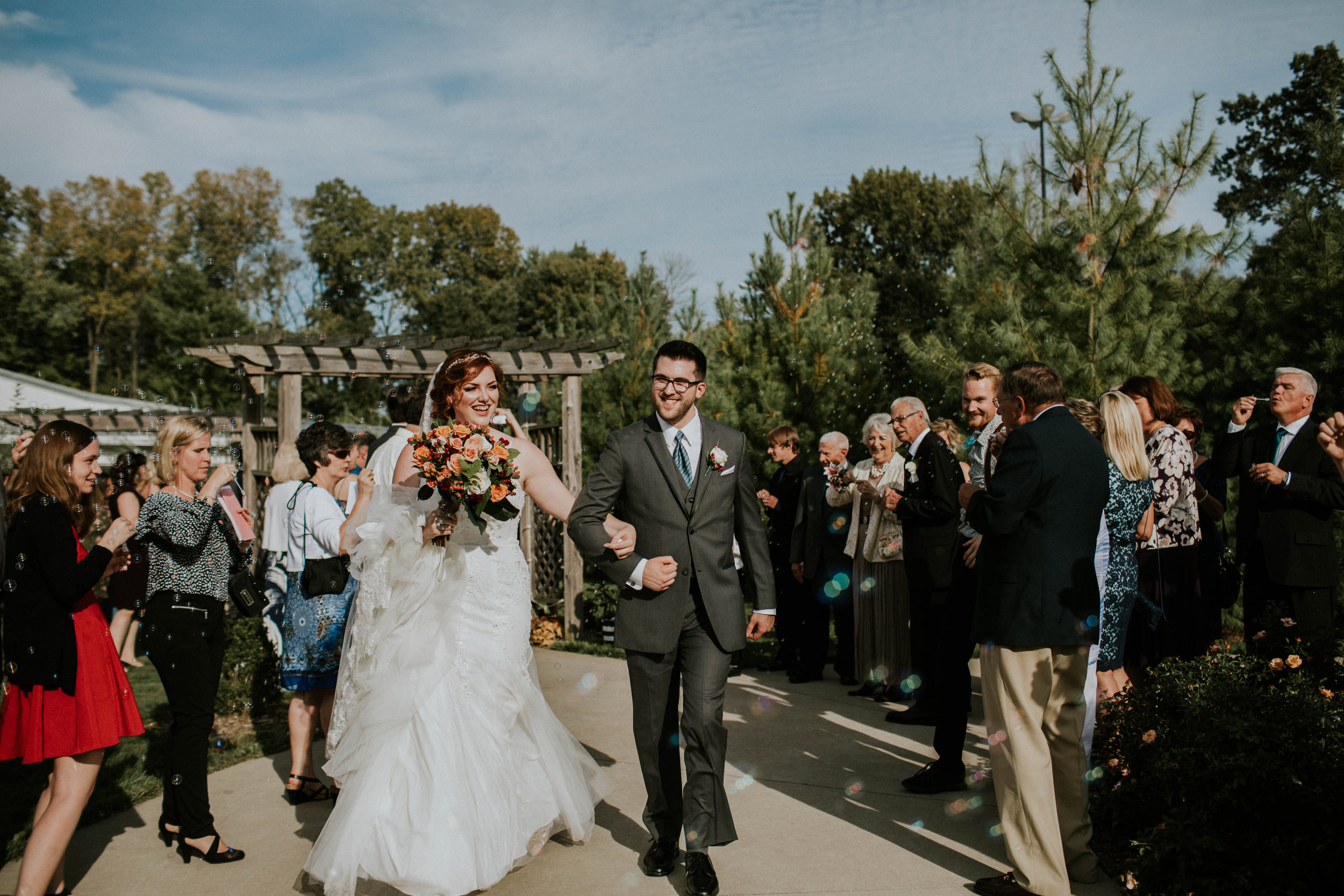 Waters edge louisville ohio romantic wedding grace e jones photography62.jpg