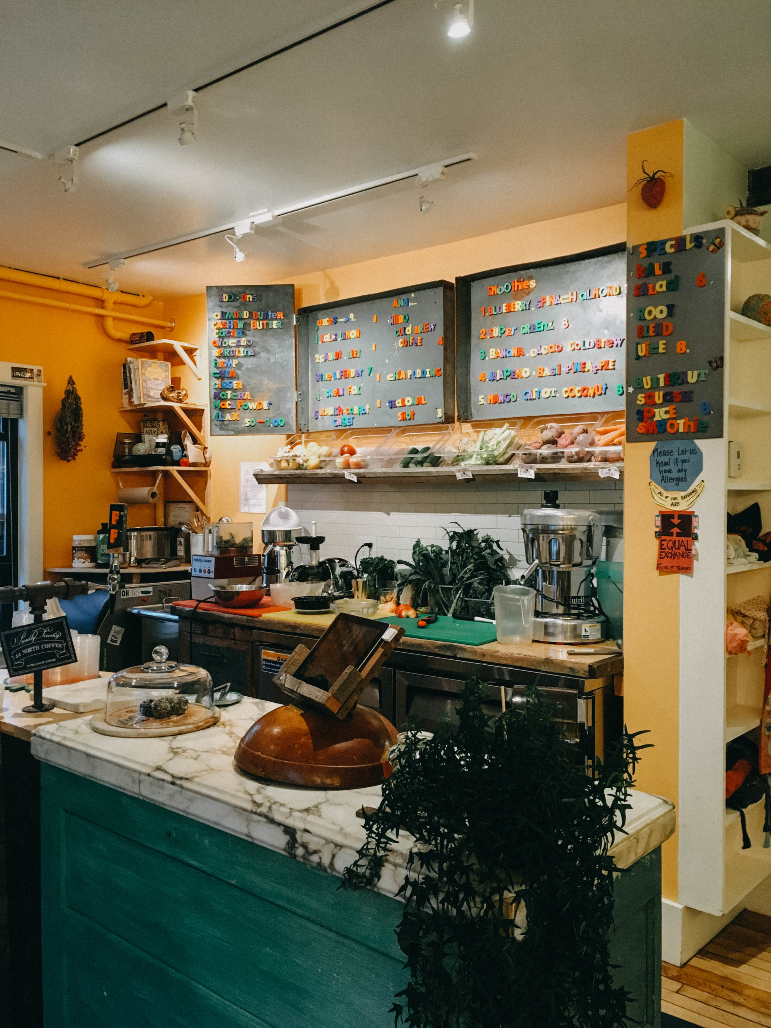 The Flying Fox Juice Bar was probably one of our most favorite places we went, seriously we went almost 1 or 2 times a day while we were in Portland!