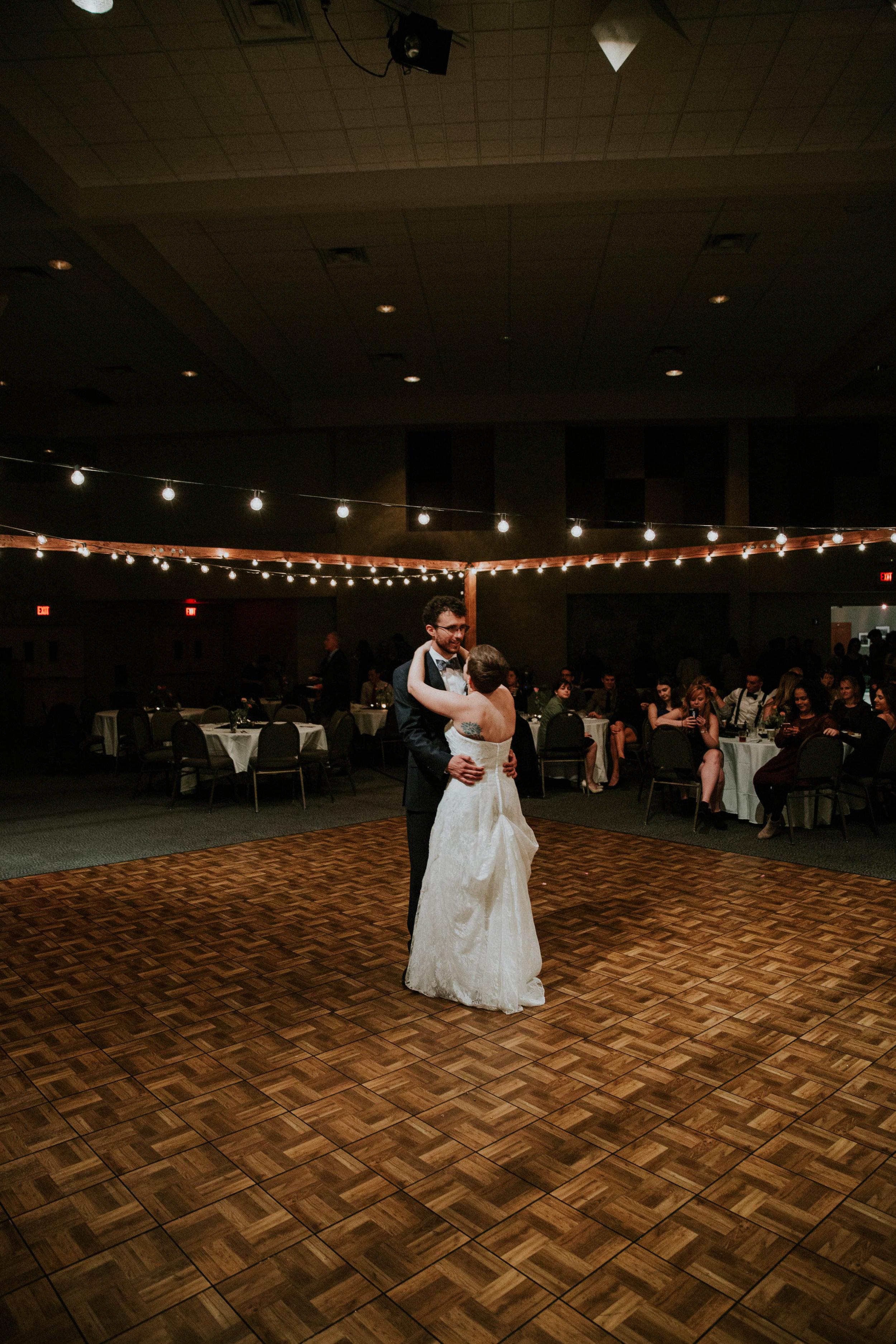 Columbus ohio wedding photographer grace e jones photography real fun joyful wedding131.jpg