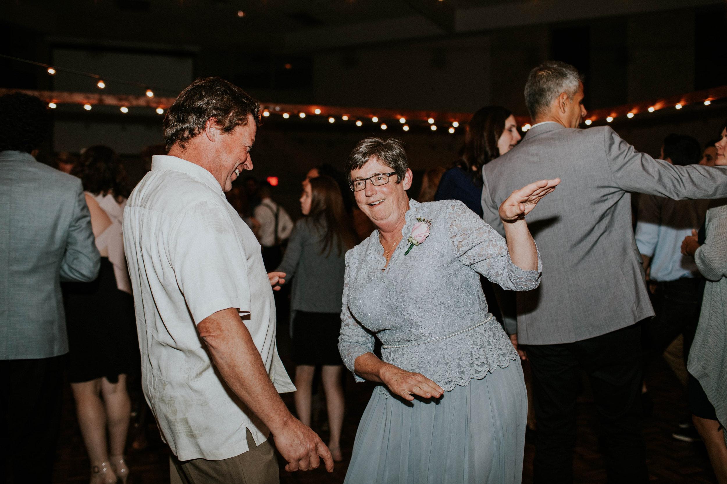 Columbus ohio wedding photographer grace e jones photography real fun joyful wedding173.jpg
