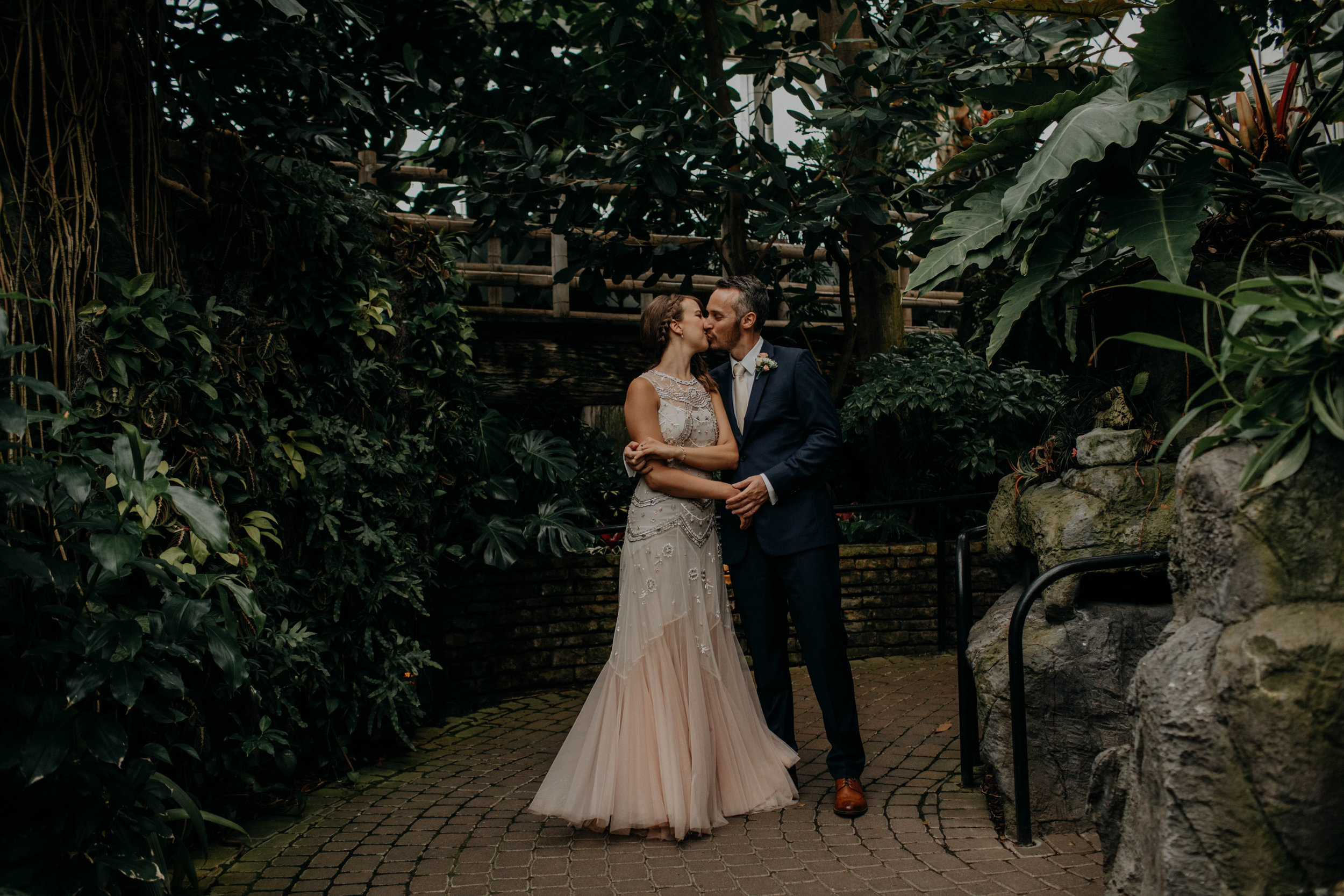 franklin park conservatory wedding columbus ohio wedding photographer grace e jones photography138.jpg