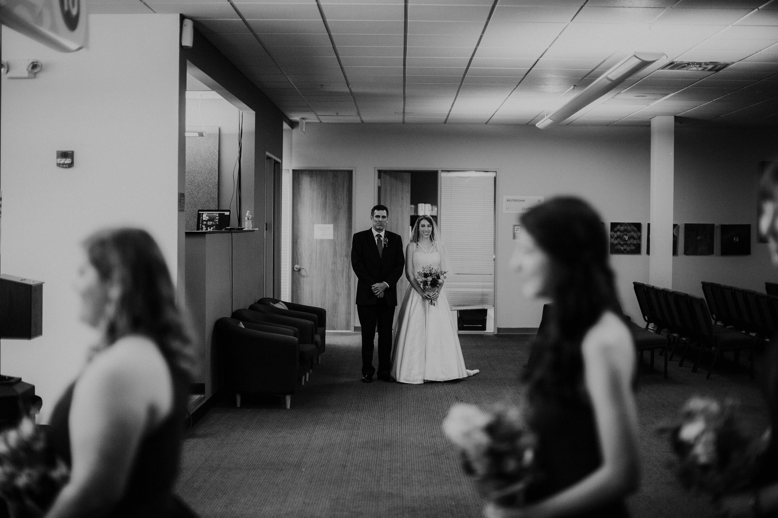 Columbus, Ohio Wedding Photographer Everal Barn At Heritage Park Wedding Venue Grace E Jones Photography23.jpg