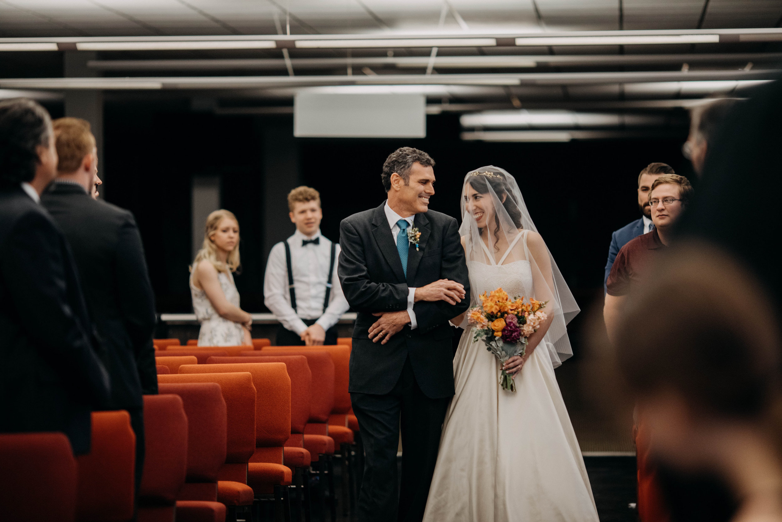 Columbus, Ohio Wedding Photographer Everal Barn At Heritage Park Wedding Venue Grace E Jones Photography29.jpg