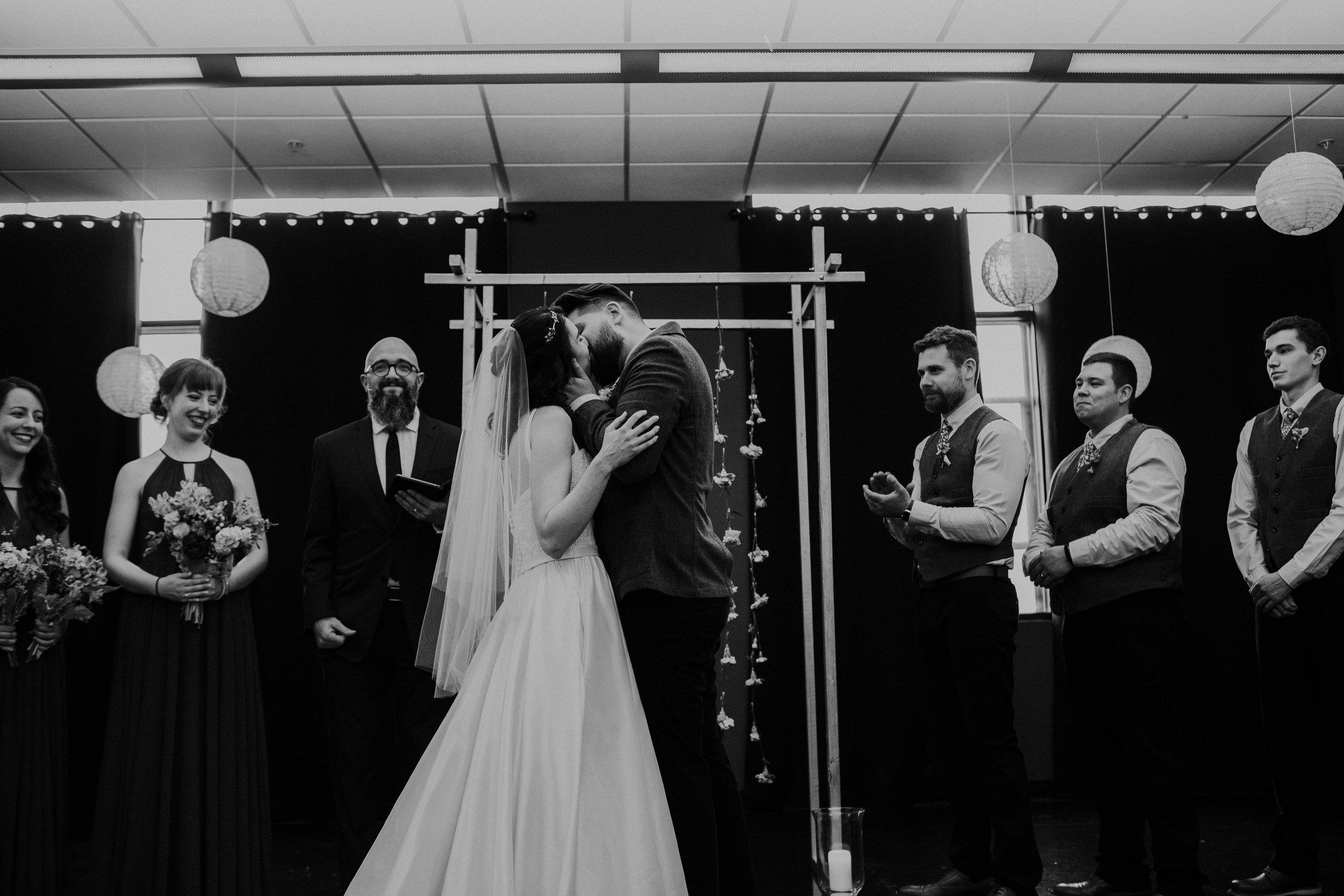 Columbus, Ohio Wedding Photographer Everal Barn At Heritage Park Wedding Venue Grace E Jones Photography53.jpg