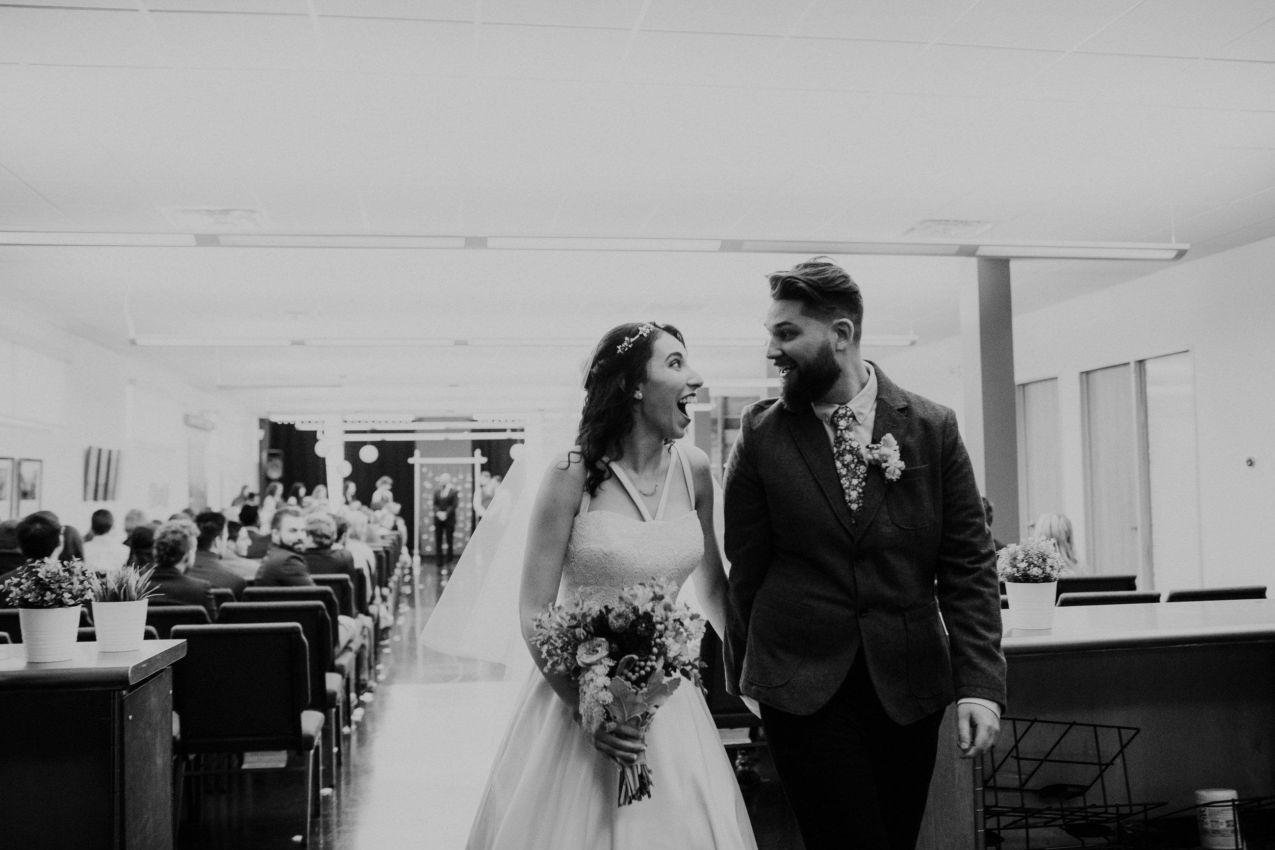 Columbus, Ohio Wedding Photographer Everal Barn At Heritage Park Wedding Venue Grace E Jones Photography56.jpg