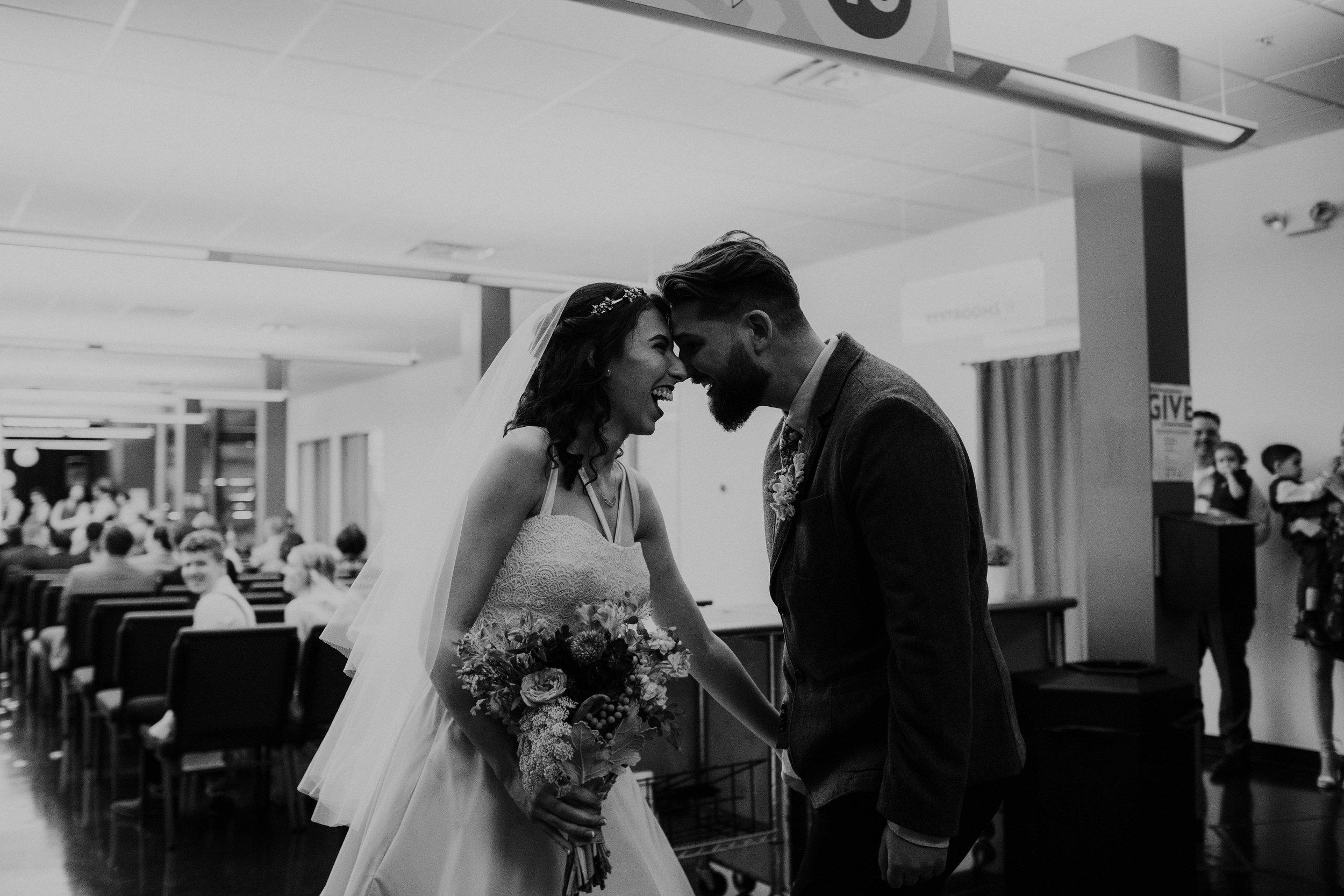 Columbus, Ohio Wedding Photographer Everal Barn At Heritage Park Wedding Venue Grace E Jones Photography57.jpg