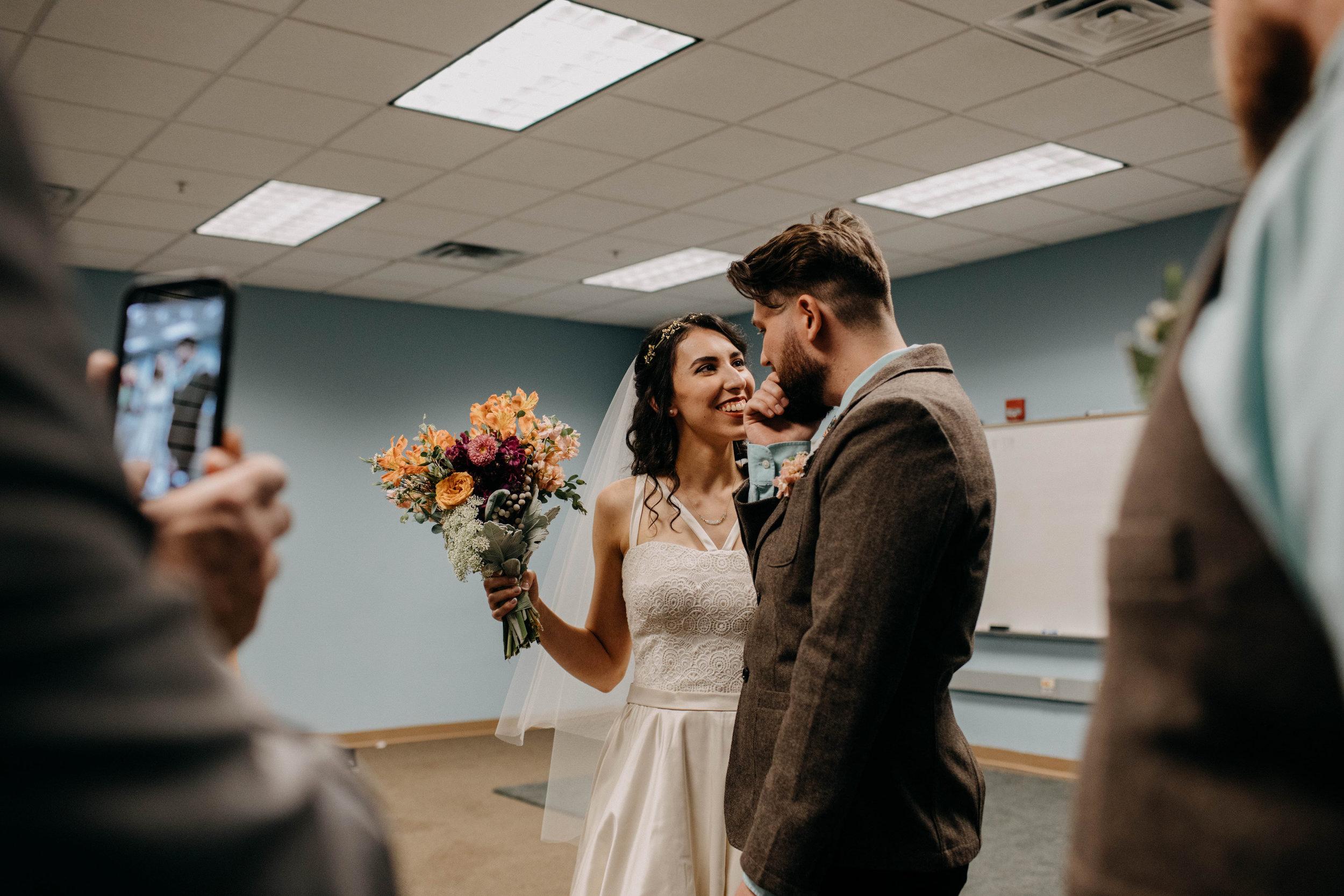Columbus, Ohio Wedding Photographer Everal Barn At Heritage Park Wedding Venue Grace E Jones Photography60.jpg