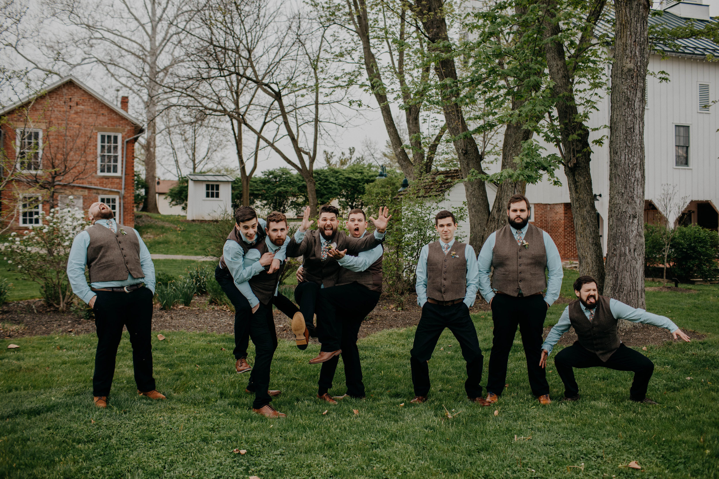 Columbus, Ohio Wedding Photographer Everal Barn At Heritage Park Wedding Venue Grace E Jones Photography64.jpg