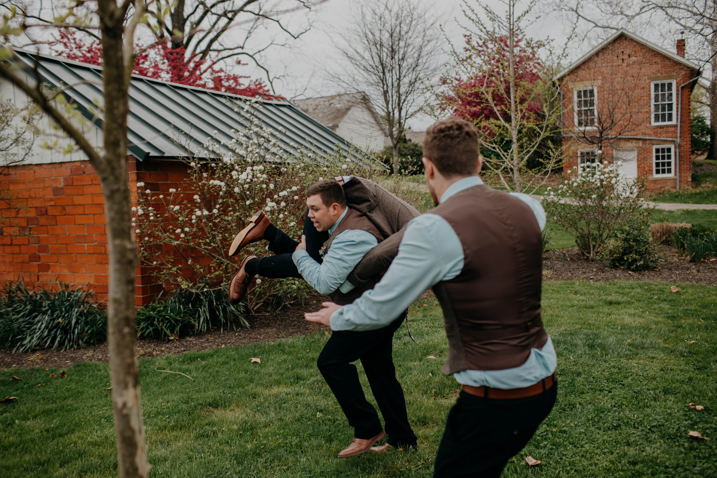 Columbus, Ohio Wedding Photographer Everal Barn At Heritage Park Wedding Venue Grace E Jones Photography66.jpg