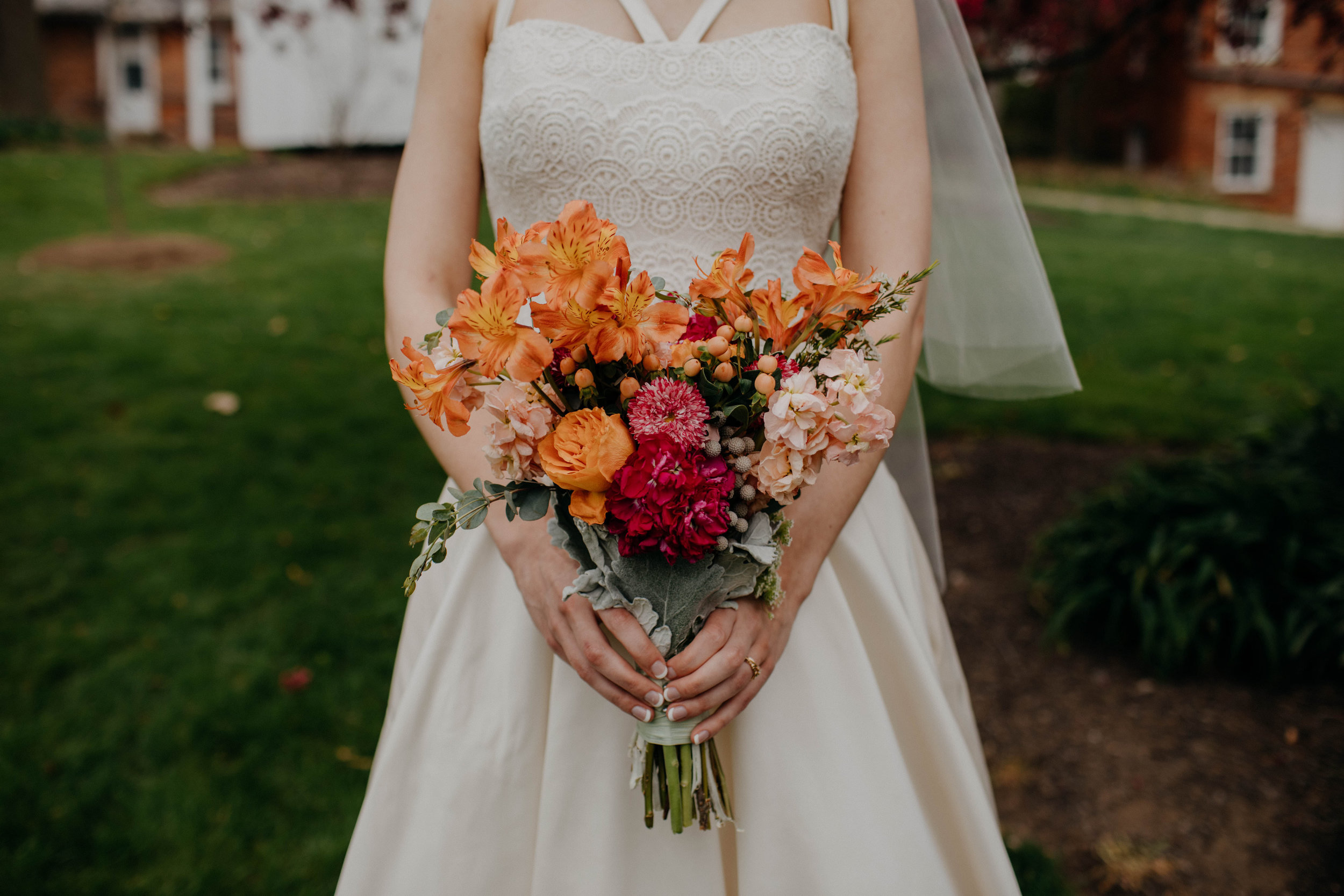 Columbus, Ohio Wedding Photographer Everal Barn At Heritage Park Wedding Venue Grace E Jones Photography114.jpg