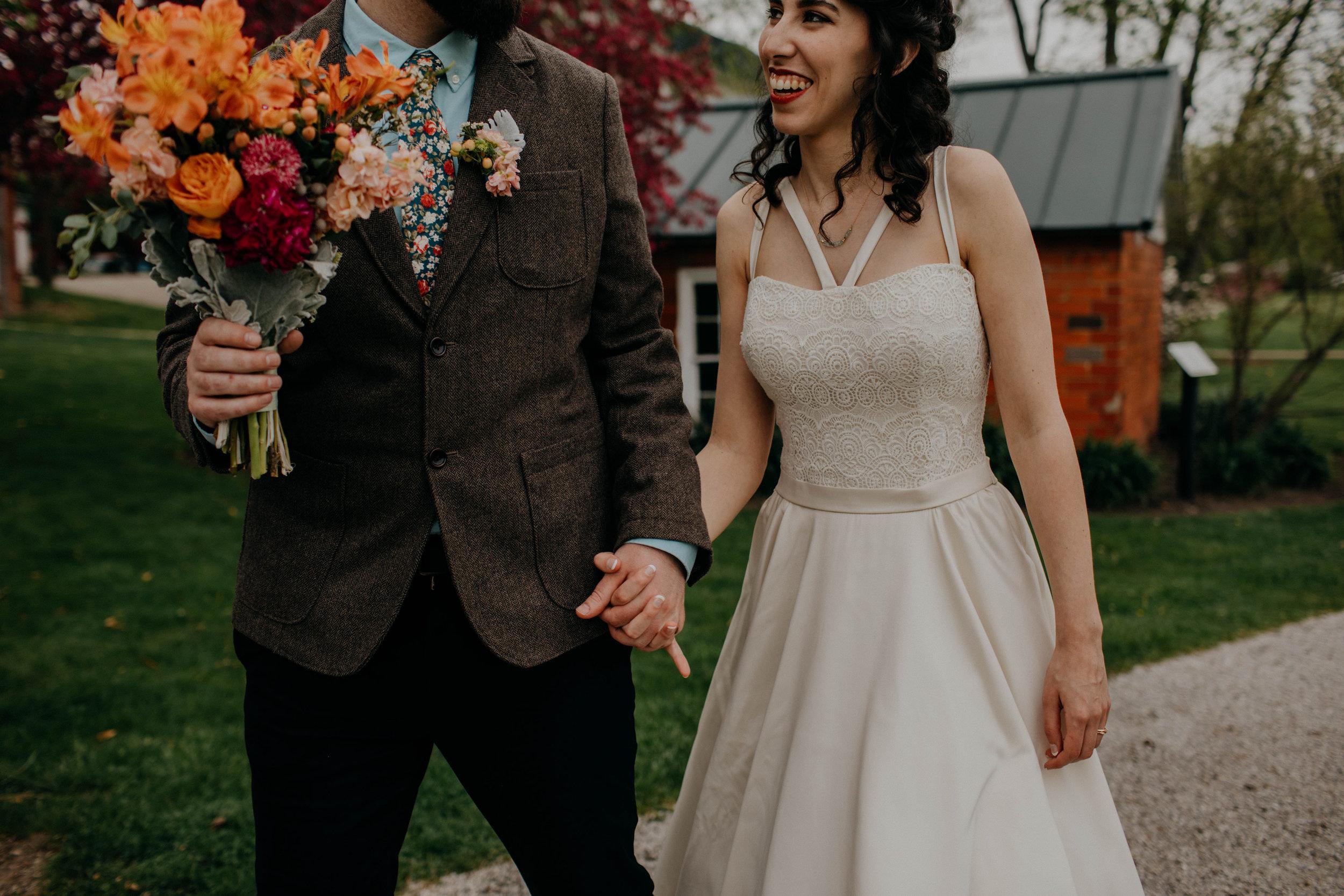 Columbus, Ohio Wedding Photographer Everal Barn At Heritage Park Wedding Venue Grace E Jones Photography139.jpg