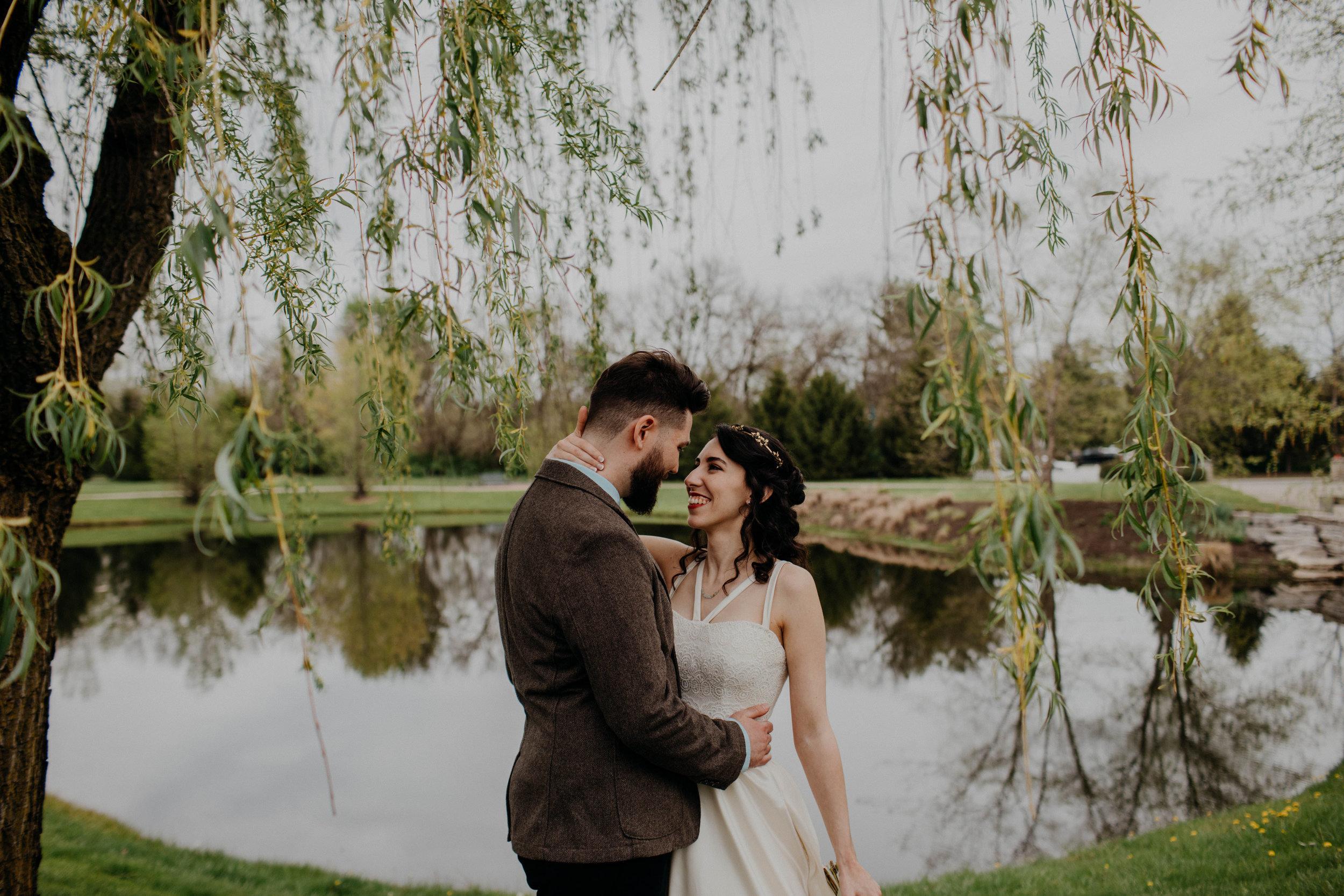 Columbus, Ohio Wedding Photographer Everal Barn At Heritage Park Wedding Venue Grace E Jones Photography141.jpg