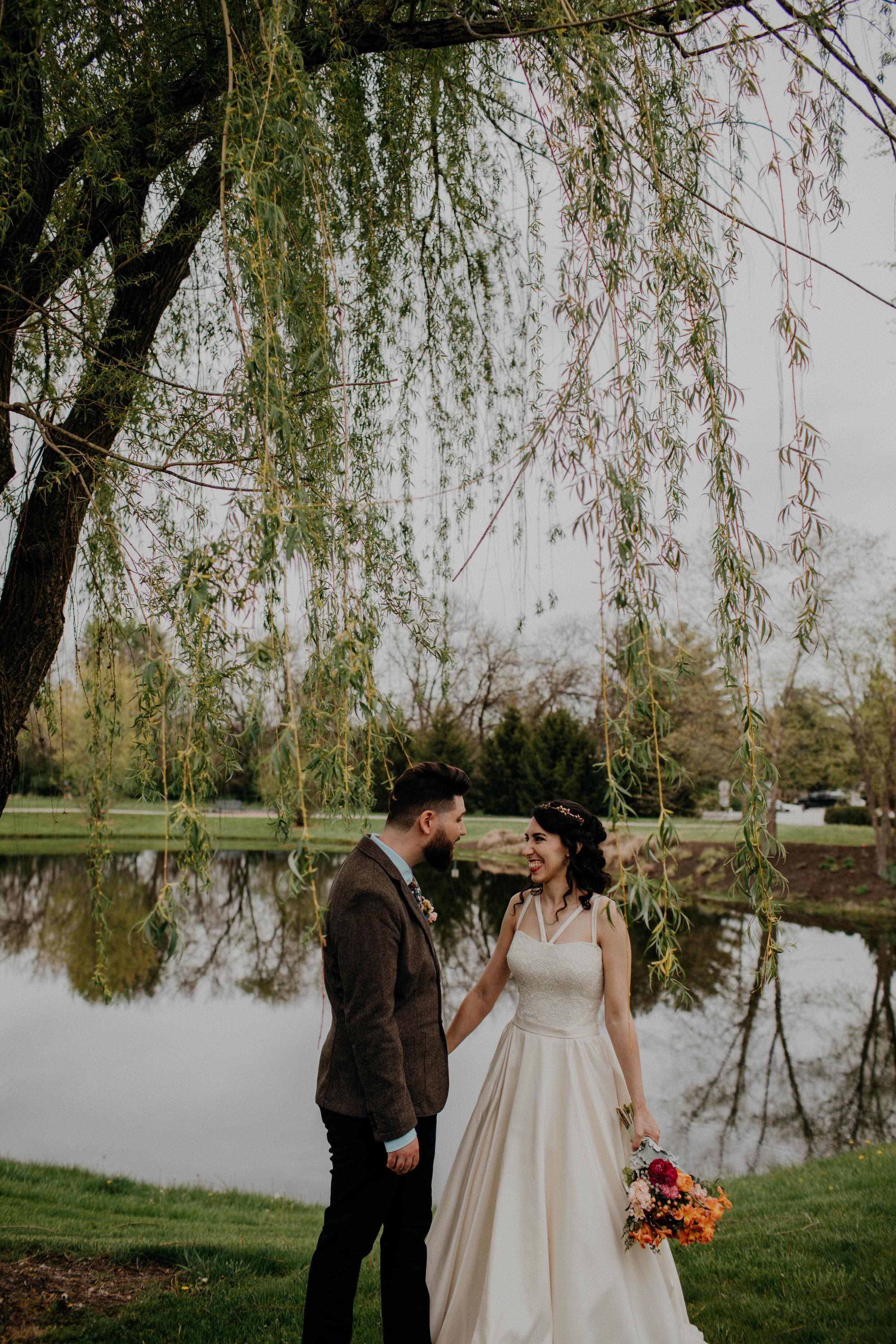 Columbus, Ohio Wedding Photographer Everal Barn At Heritage Park Wedding Venue Grace E Jones Photography140.jpg