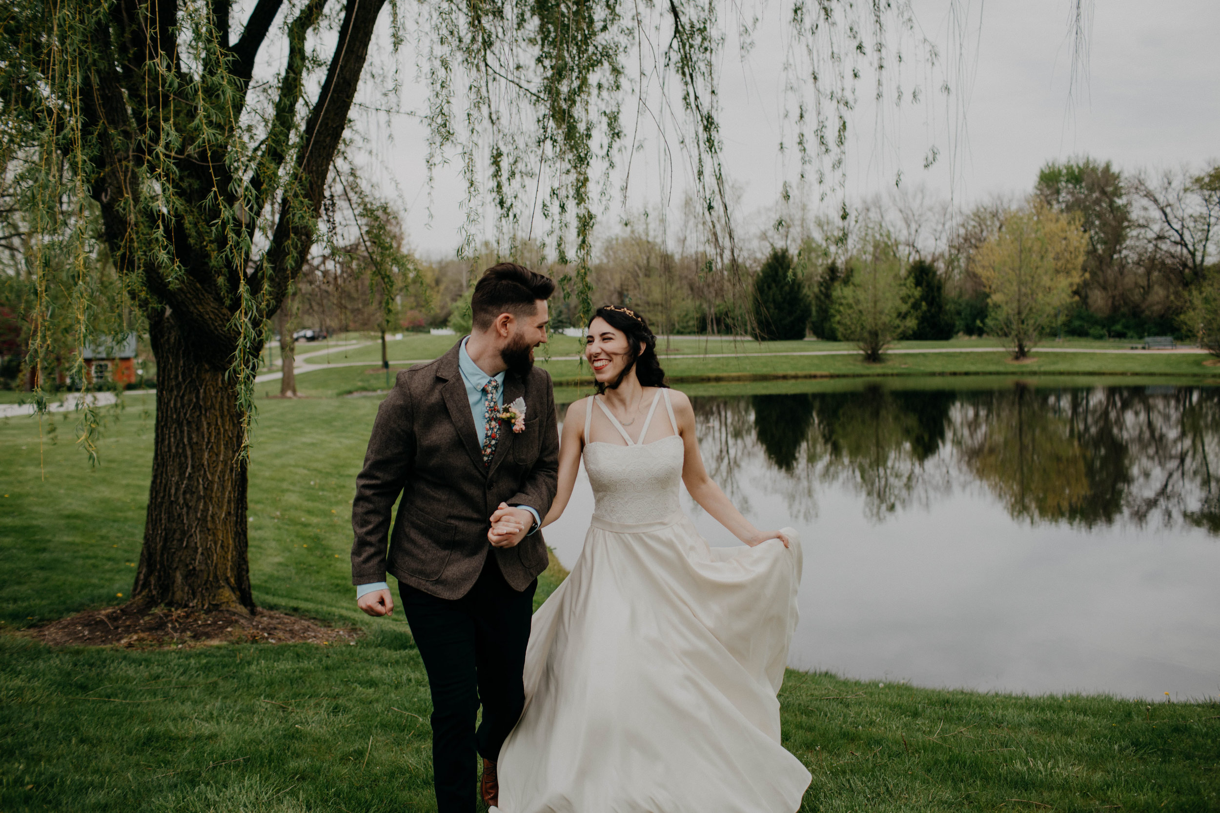 Columbus, Ohio Wedding Photographer Everal Barn At Heritage Park Wedding Venue Grace E Jones Photography152.jpg