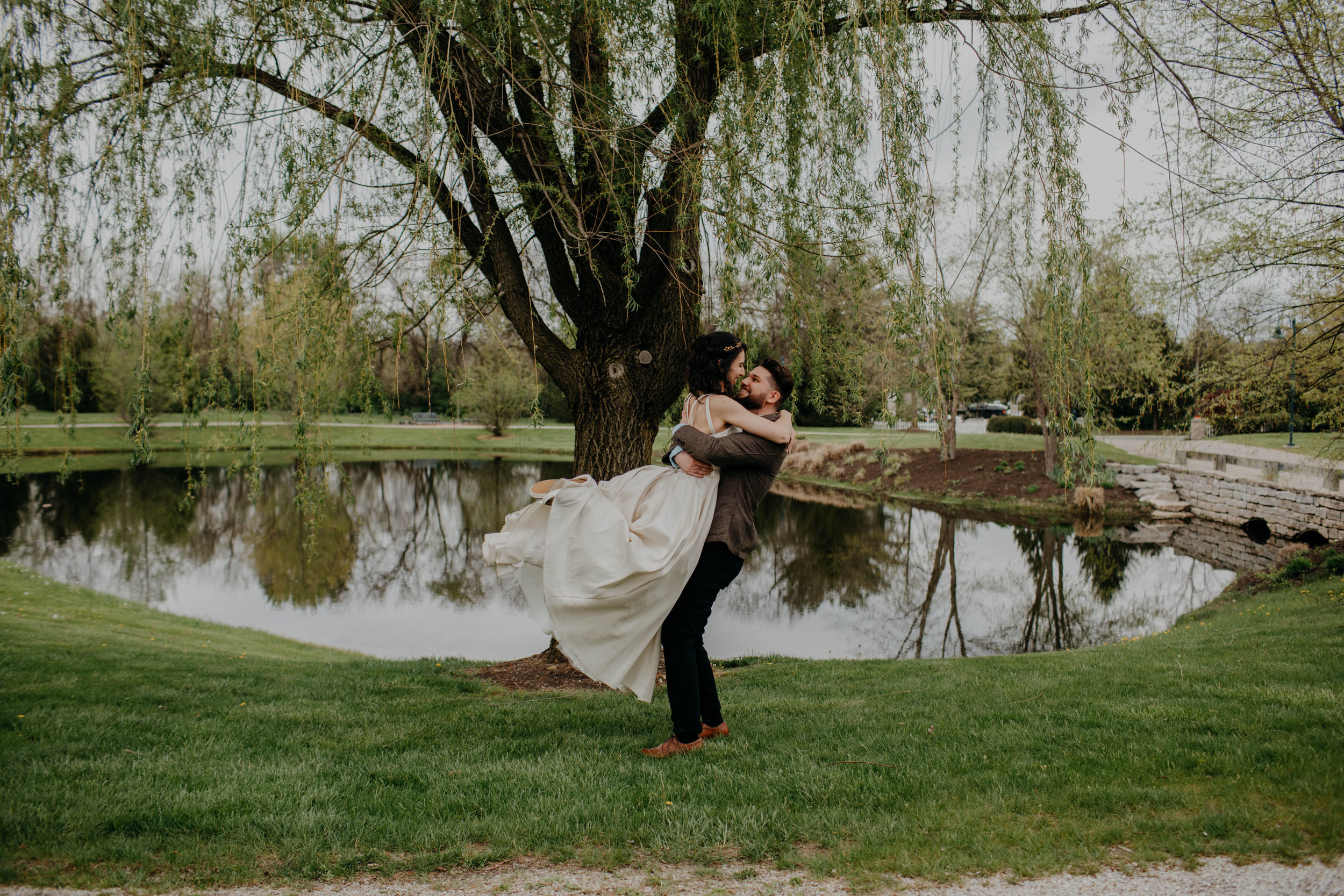 Columbus, Ohio Wedding Photographer Everal Barn At Heritage Park Wedding Venue Grace E Jones Photography155.jpg
