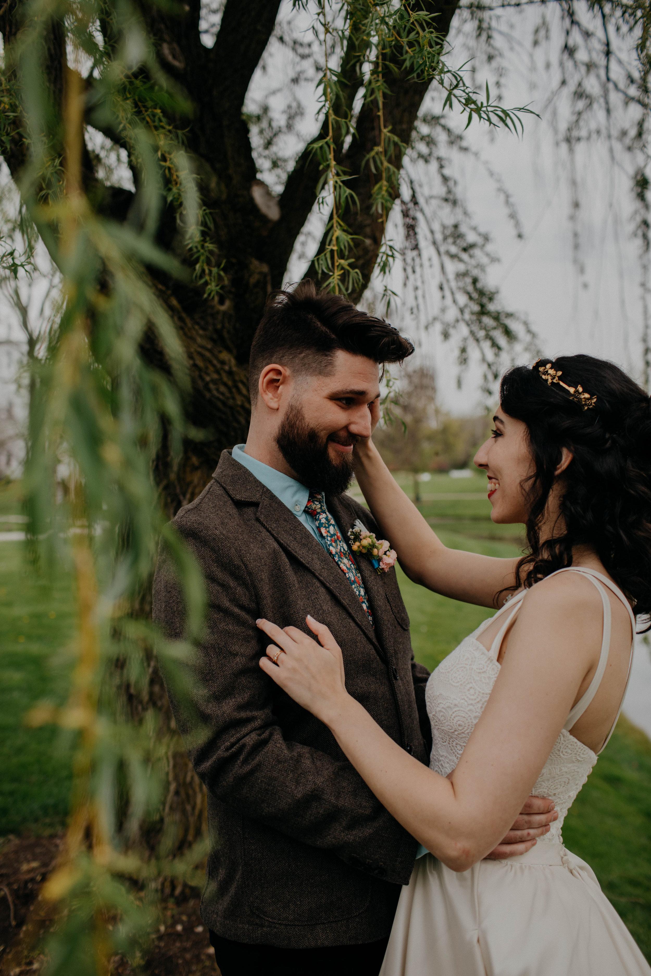 Columbus, Ohio Wedding Photographer Everal Barn At Heritage Park Wedding Venue Grace E Jones Photography149.jpg