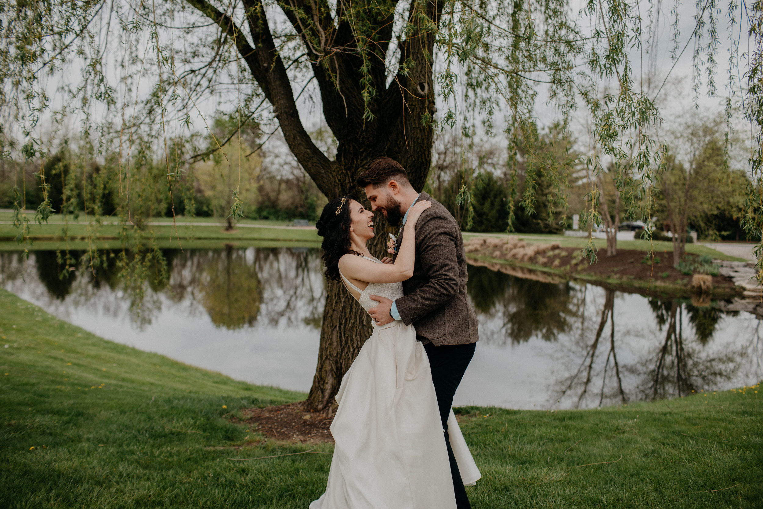 Columbus, Ohio Wedding Photographer Everal Barn At Heritage Park Wedding Venue Grace E Jones Photography157.jpg